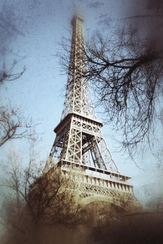 992244TourEiffelbytintin280iPh Paris en brume