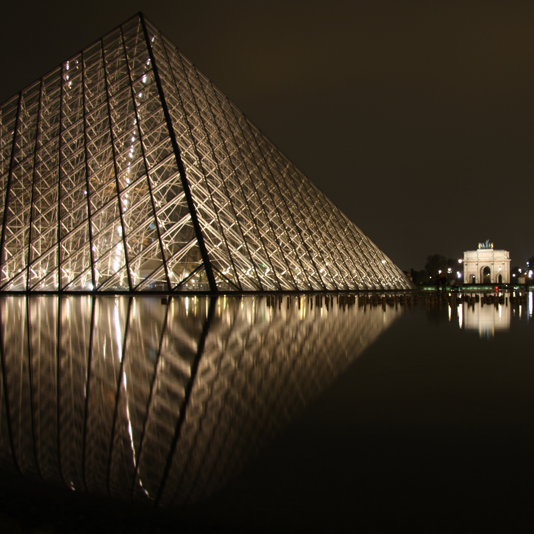 Le_Louvre_3_Wallpapers_iPad
