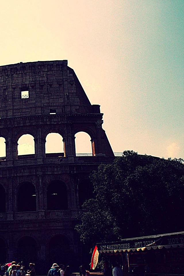Coliseum_Rome_3_Wallpapers