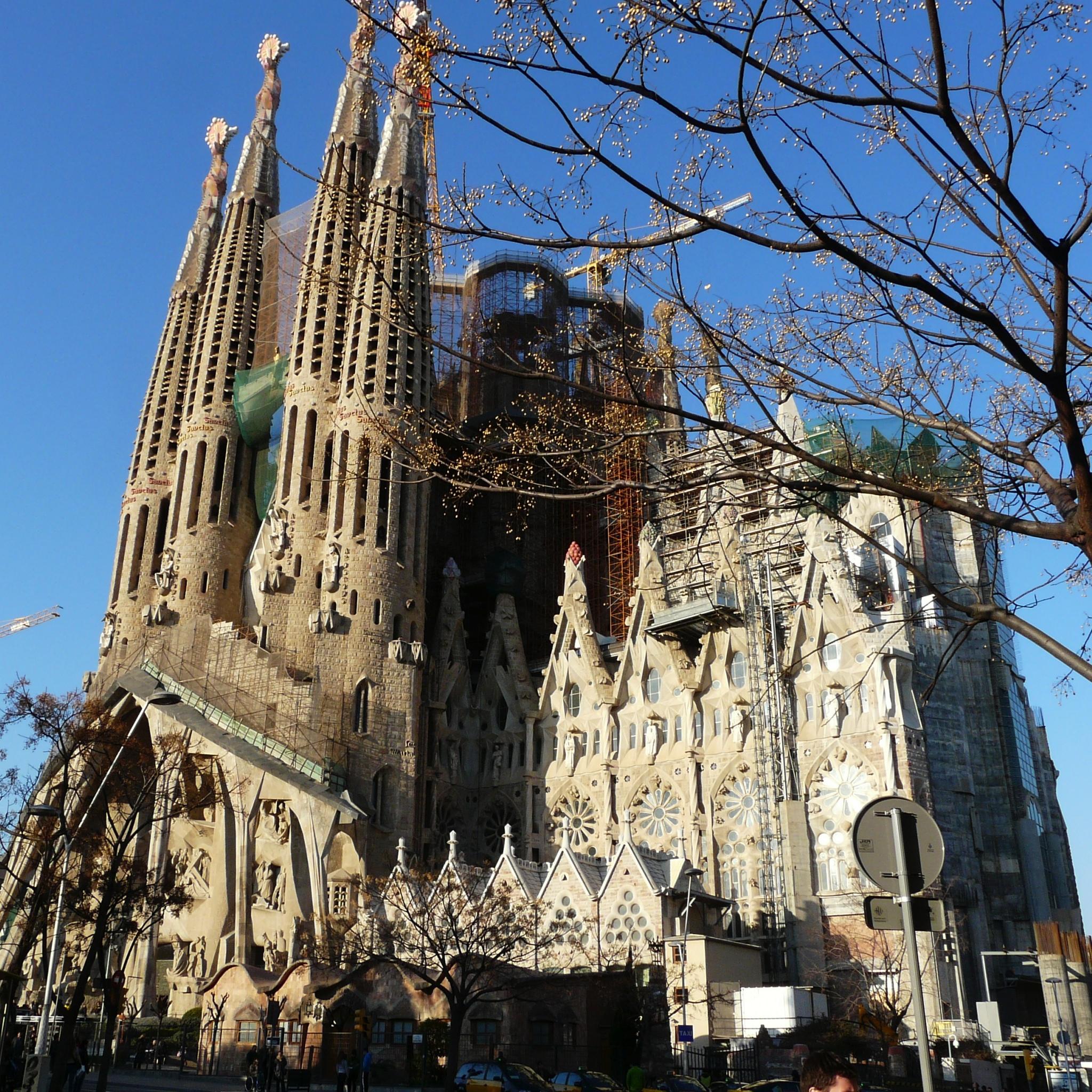 La Sagrada Familia 3W iPad.jpg  La Sagrada Familia   iPad