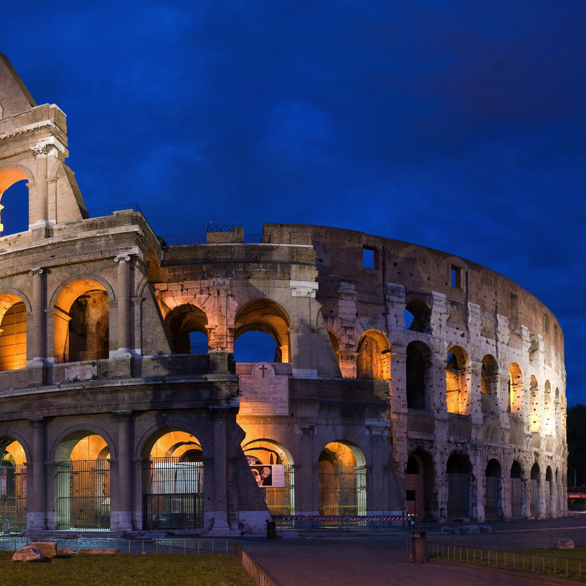 Le-Colisee-de-Rome_3Wallpapers_iPad