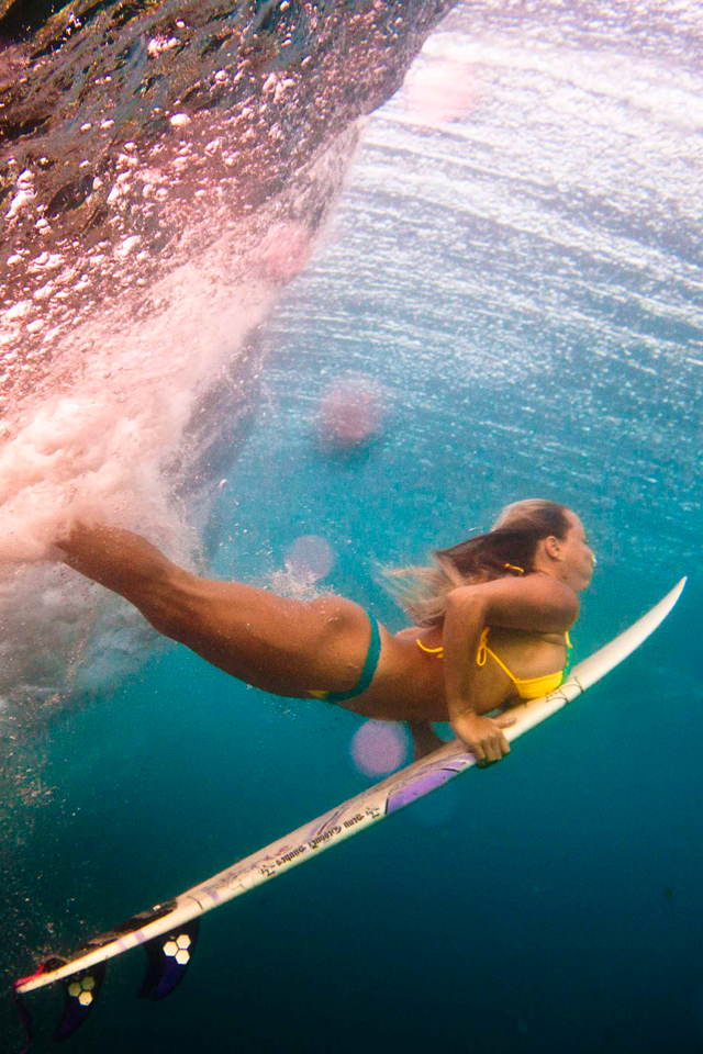 Women Duck Surfing 3 Wallpapers Women Duck Surfing