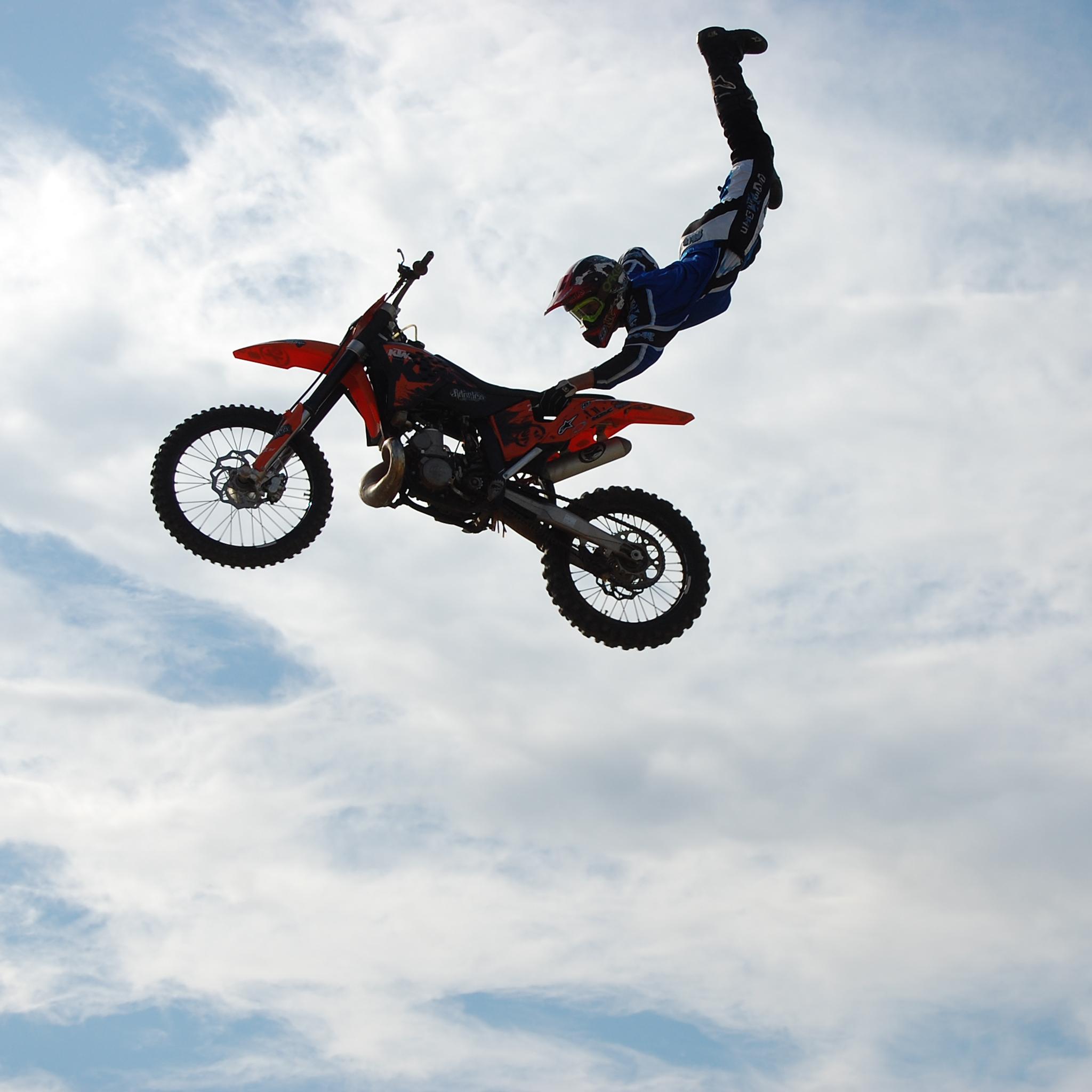 Motocross Superman 3Wallpapers iPad Motocross Superman   iPad