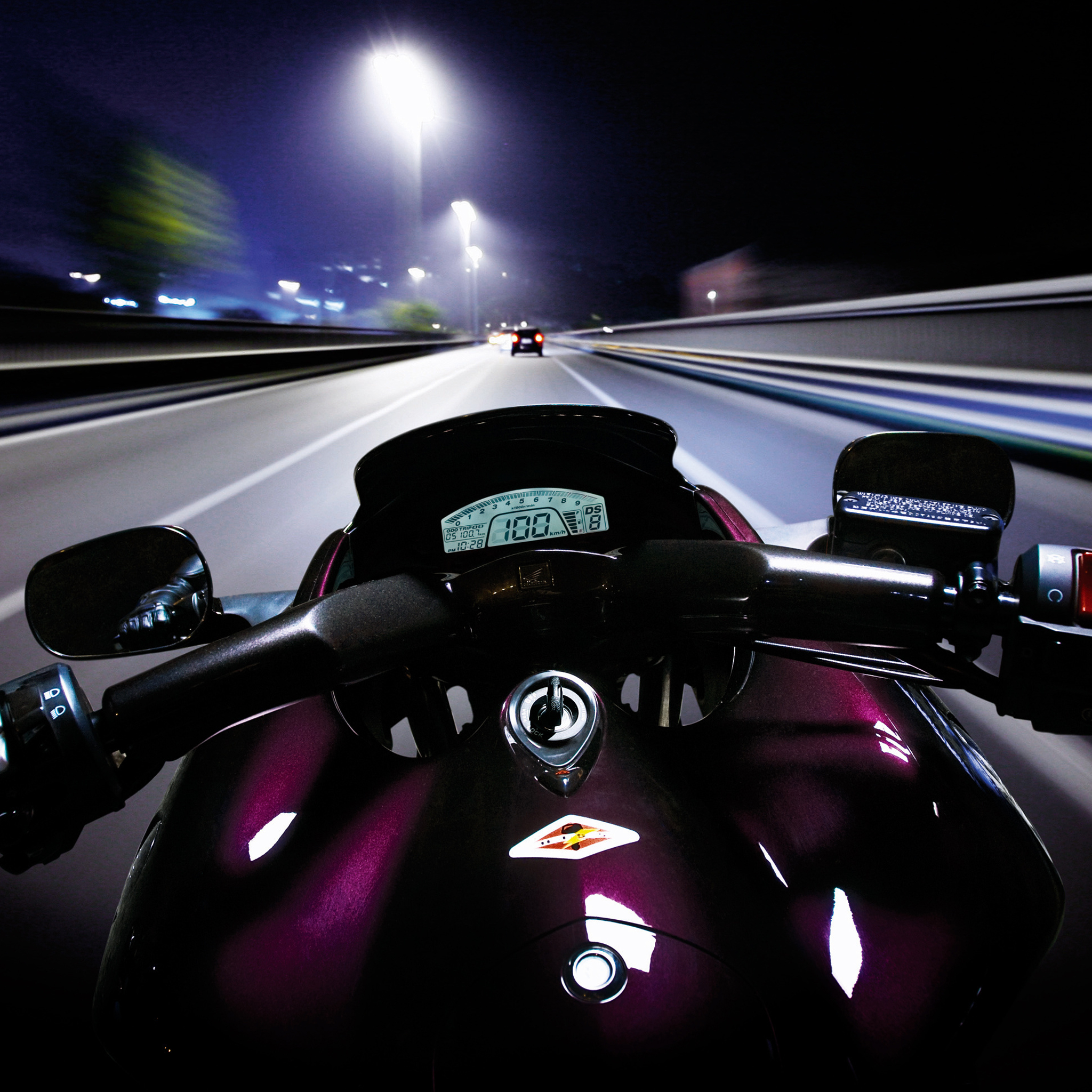 Speed-Moto-HighWay-3Wallpapers-iPad