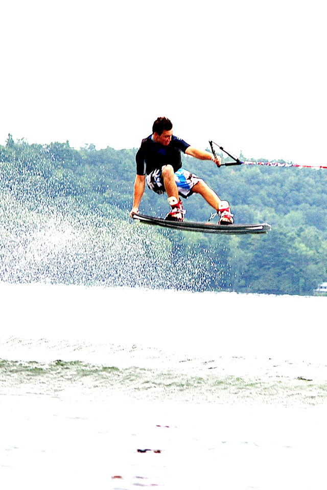 WakeBoard-Tailbone-3Wallpapers