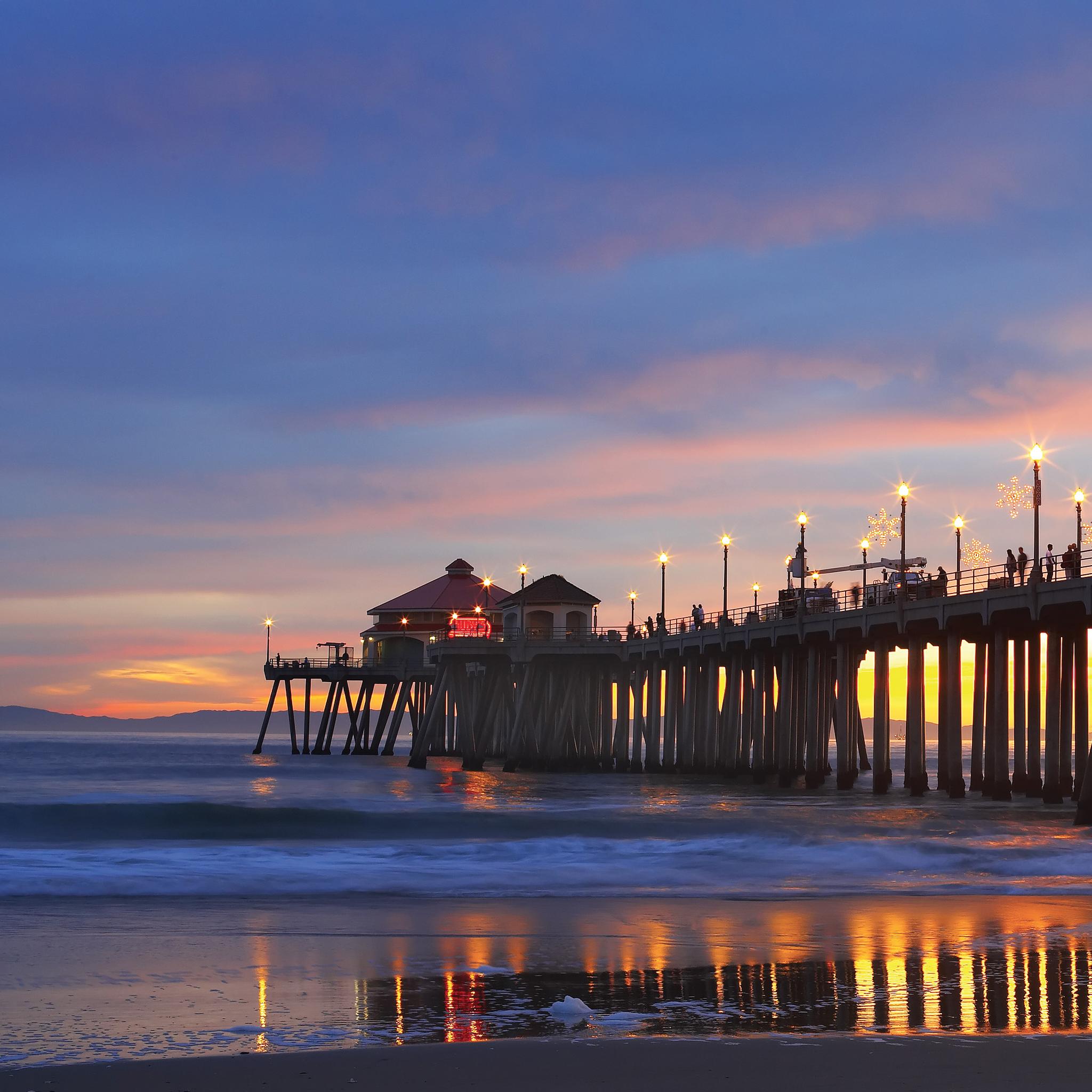 Bonfires-Huntington-Beach-3Wallpapers-iPad-Retina