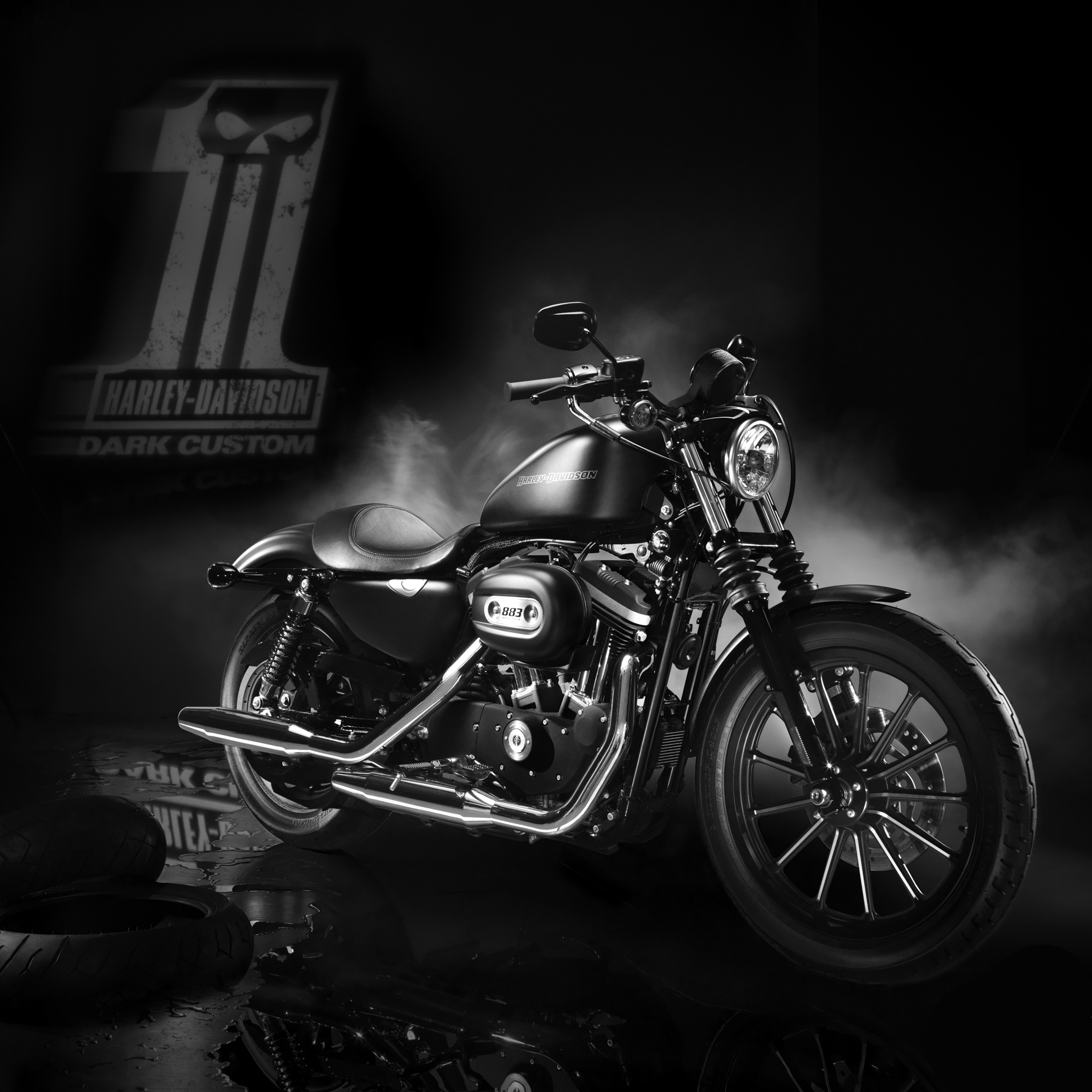 Harley-Davidson-Dark-Custom-3Wallpapers-iPad-Retina
