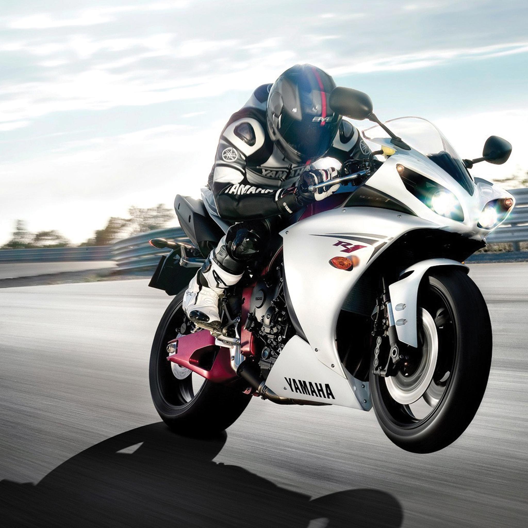 Yamaha-Racer-3Wallpapers-iPad-Retina