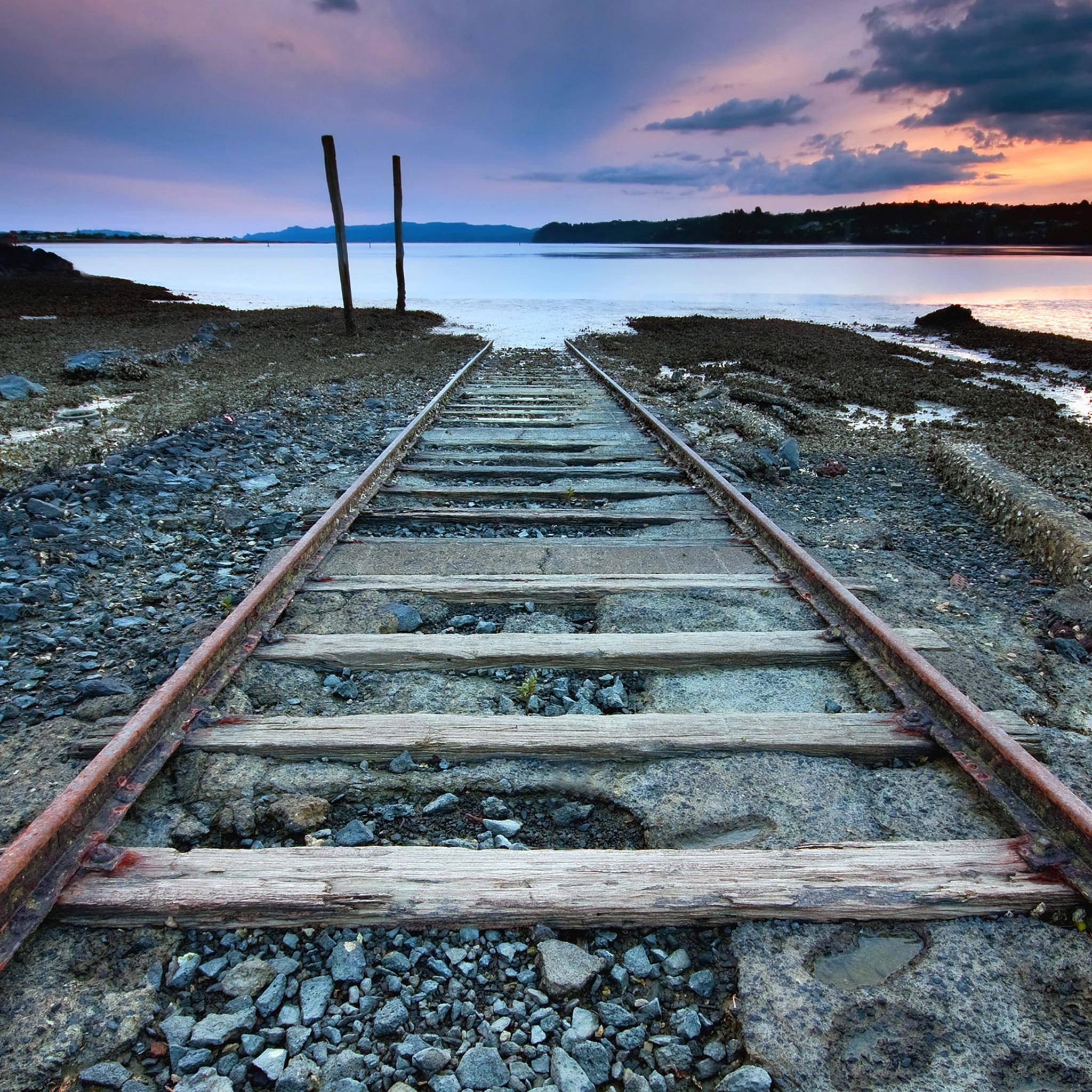 End-Rail-3Wallpapers-iPad-Retina