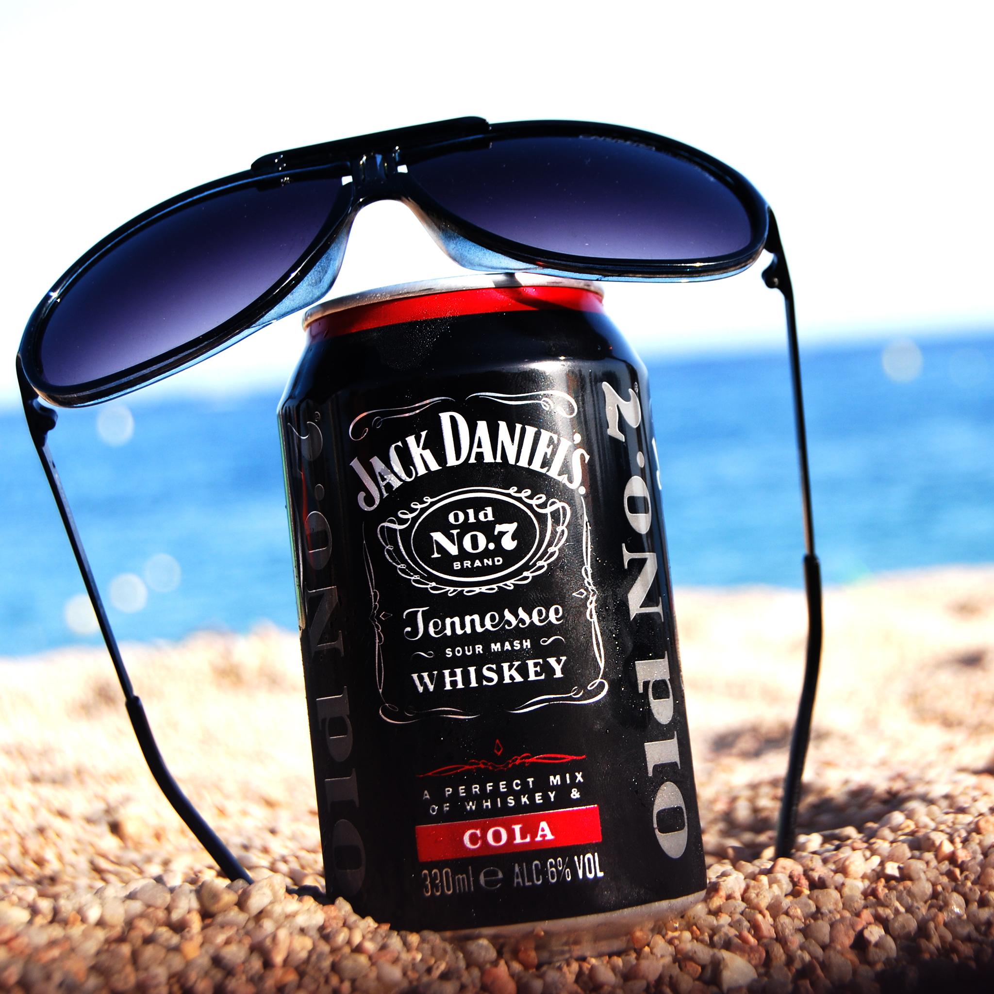 Jack Daniels by kiki 3Wallpapers ipad Retina Jack Daniels by kiki   iPad Retina