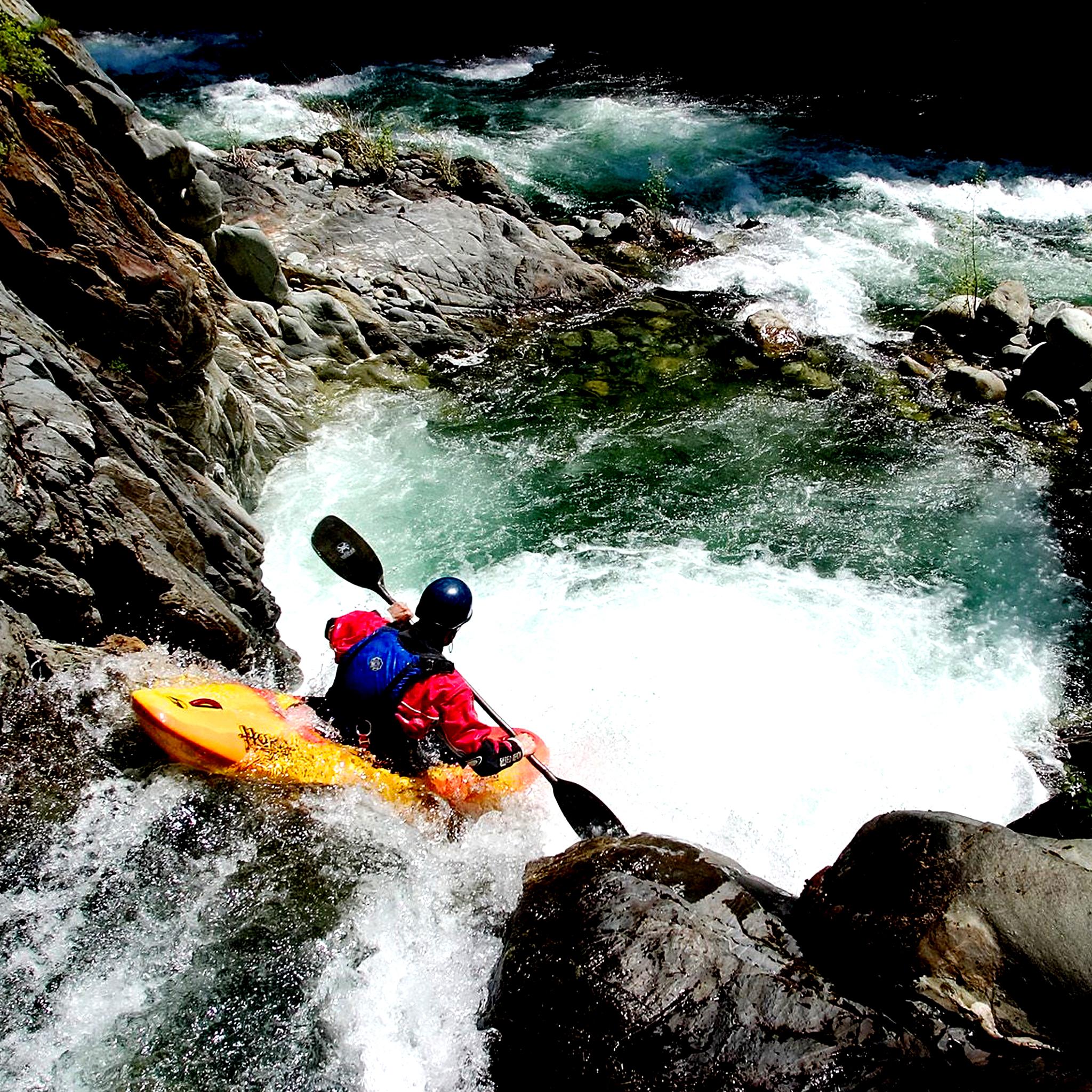 Kayak-3Wallpapers-iPad-Retina