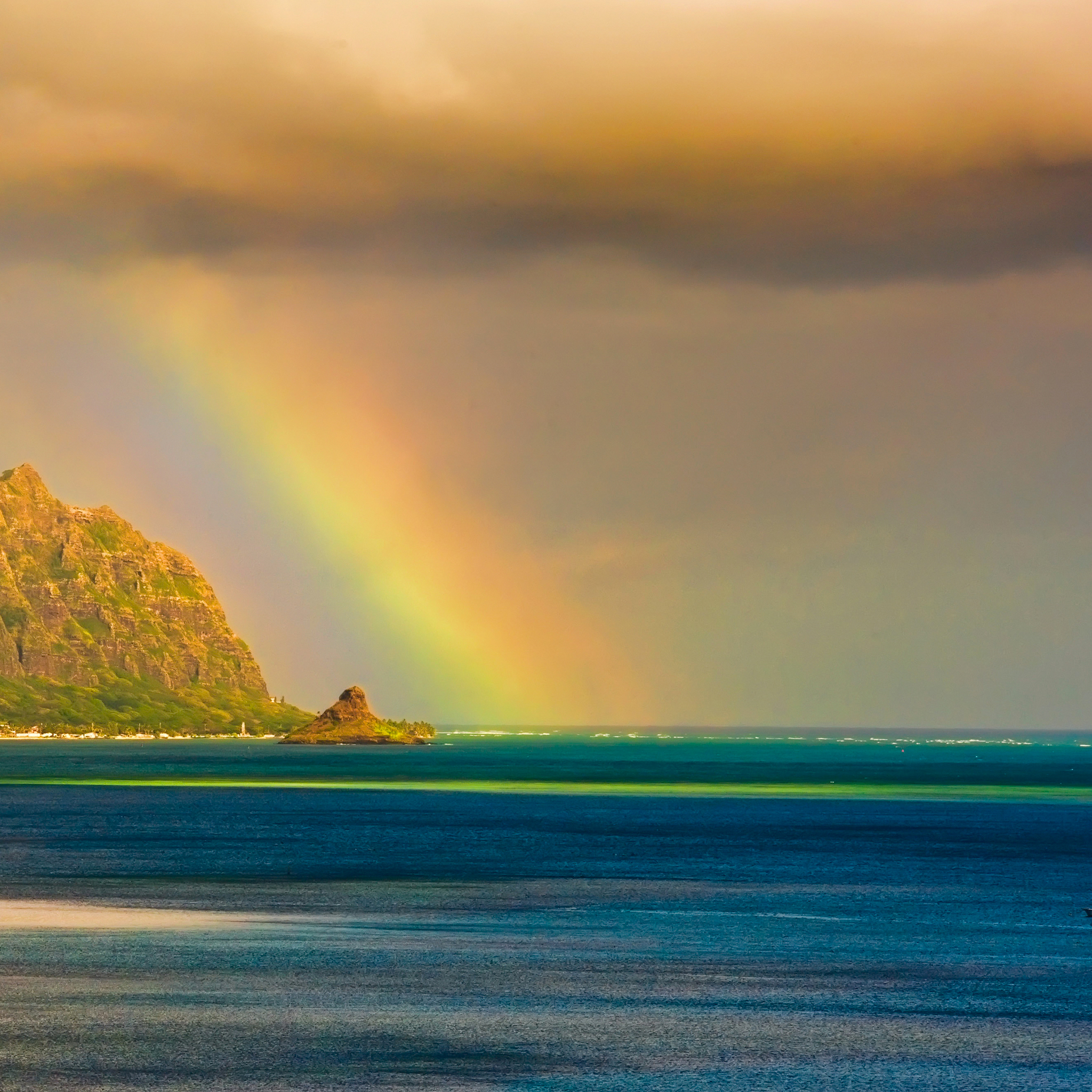 Kualoa-Rainbow-3Wallpapers-iPad-Retina