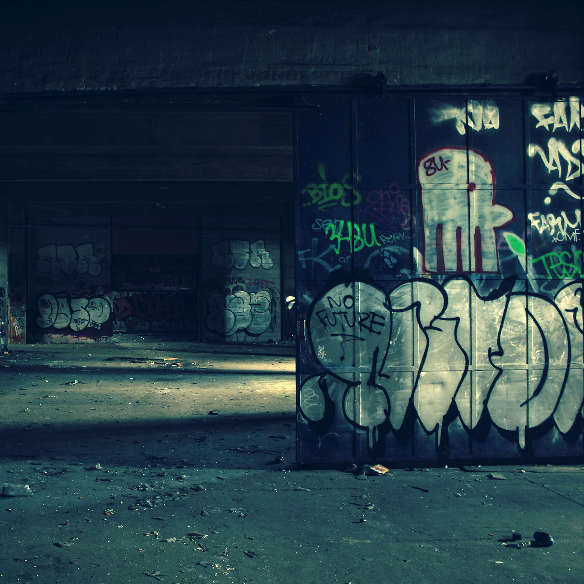 Graffiti-Warehouse-3Wallpapers-iPad-Retina