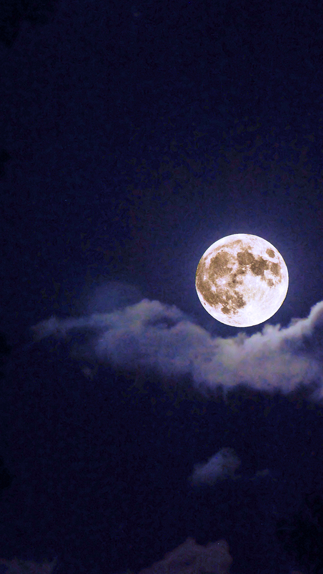 Moon-Out-Tonight-3Wallpapers-iPhone-5