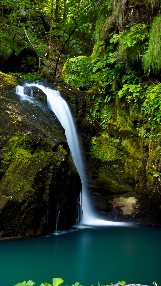 Natural-Waterfall-3Wallpapers-iPhone-5