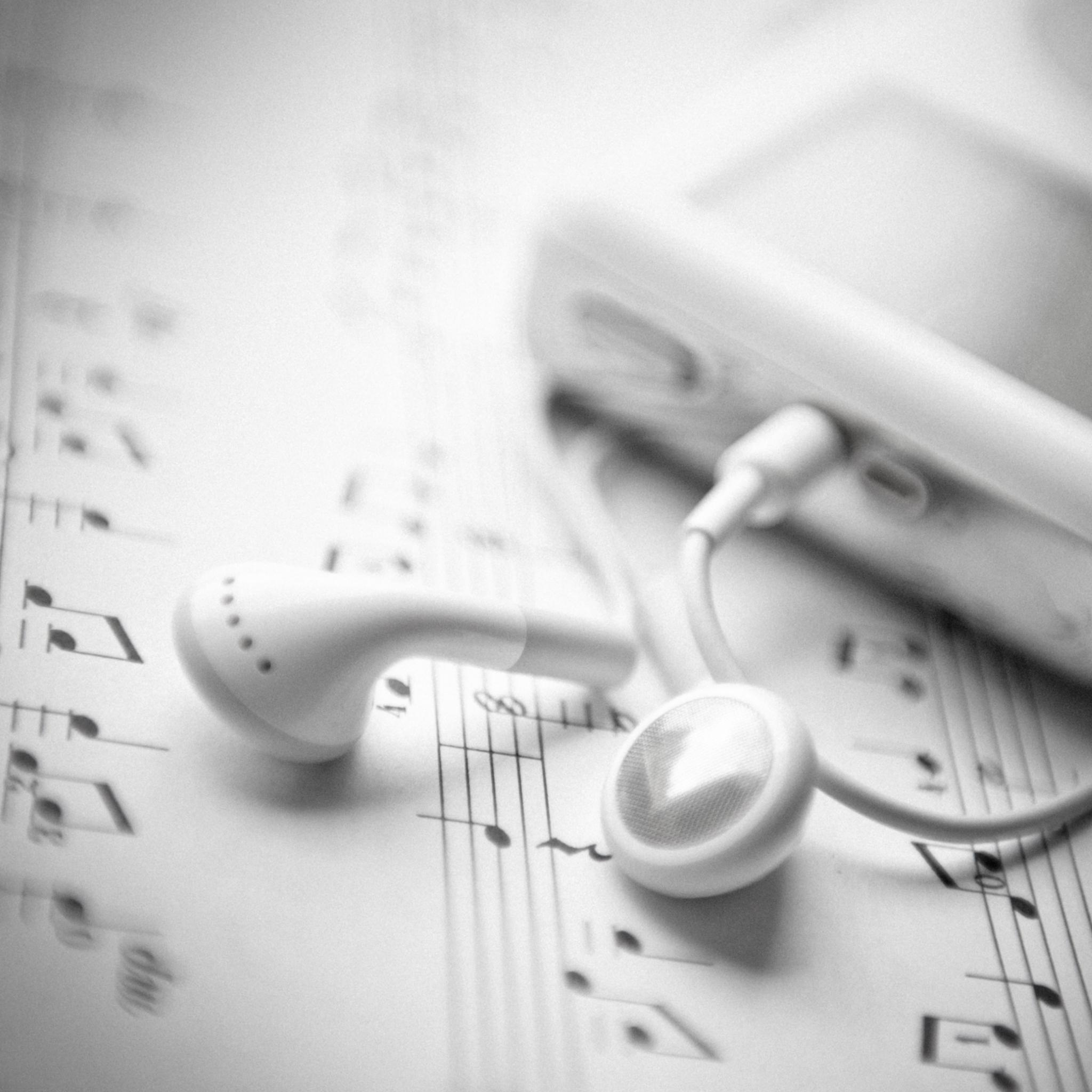 iPod-Music-3Wallpapers-iPad-Retina
