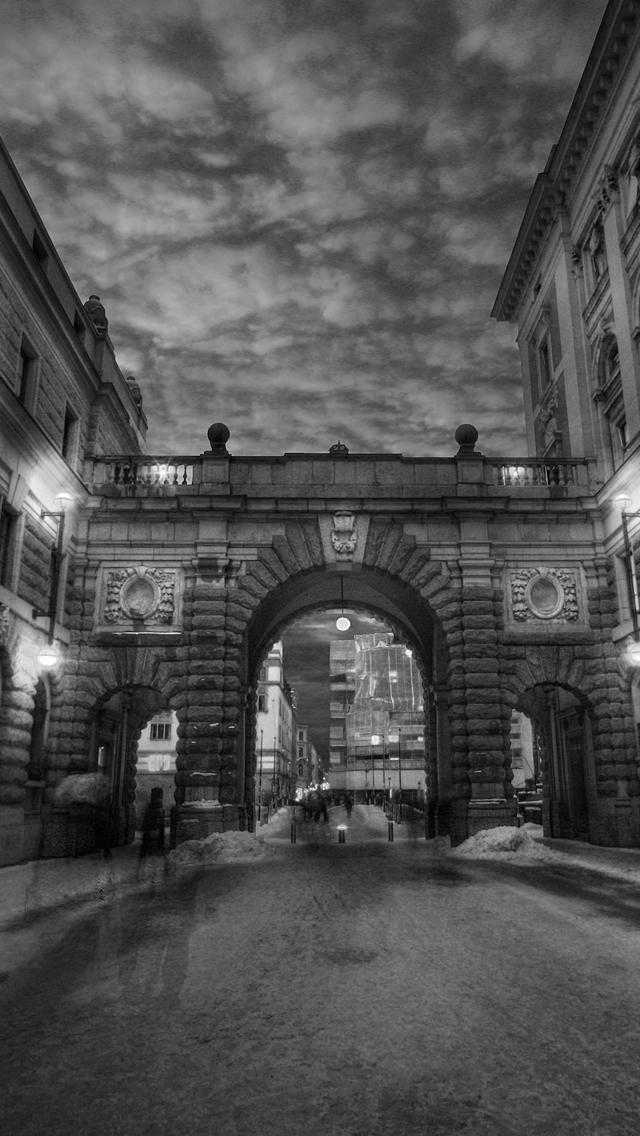 Dark City by Richiedude 3Wallpapers iPhone 5 Dark City by Richiedude