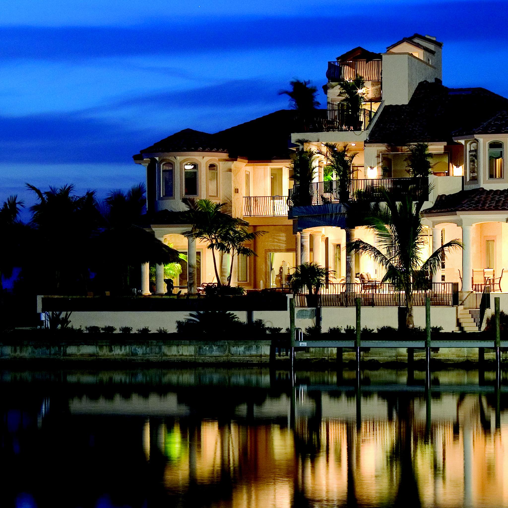 Luxury-House-3Wallpapers-iPad-Retina