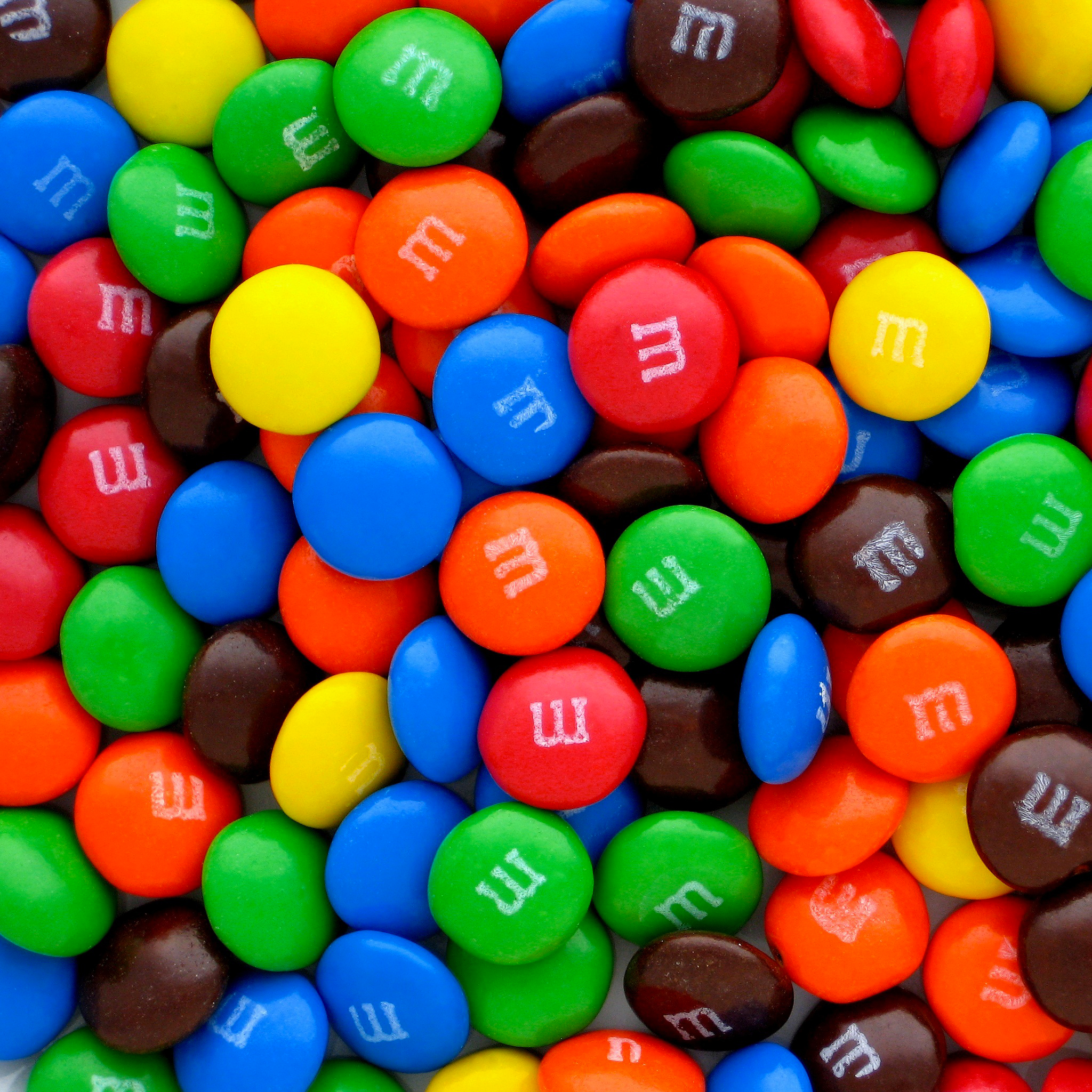 M&Ms-3Wallpapers-iPad-Retina