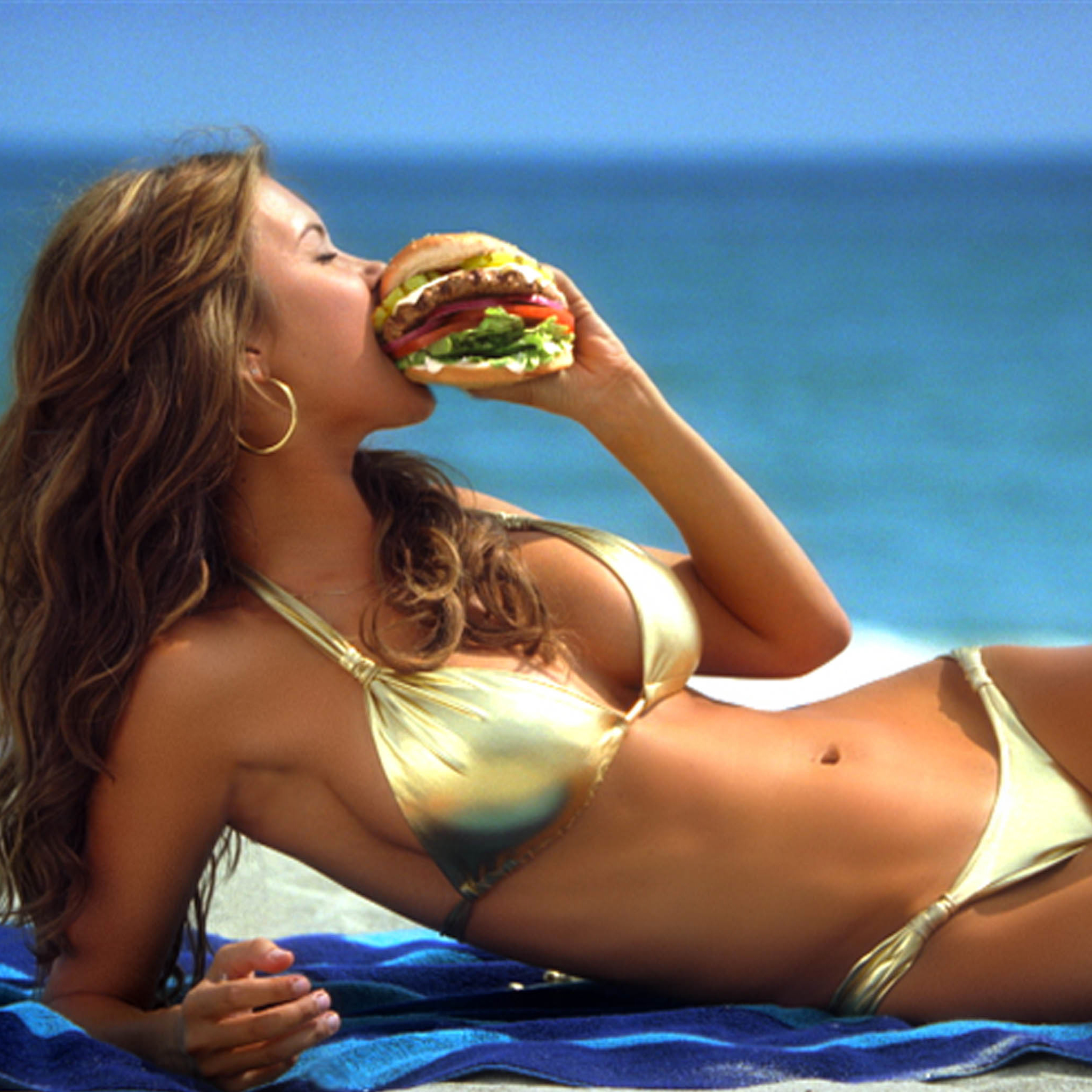 Sexy-Burger-3Wallpapers-iPad-Retina