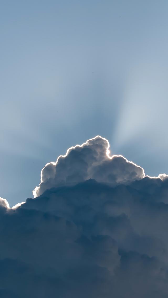 Cloud-Lightining-3Wallpapers-iPhone-5