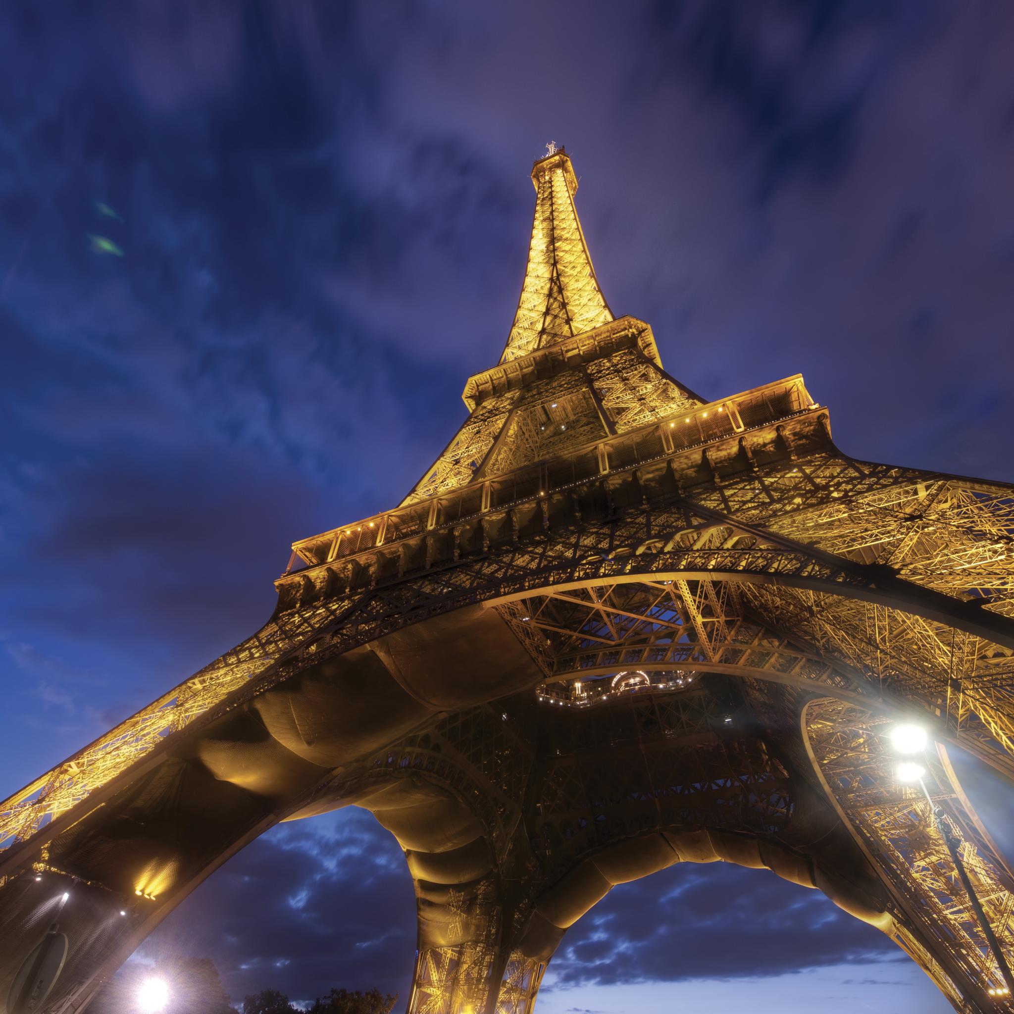 Paris-3Wallpapers-iPad-Retina