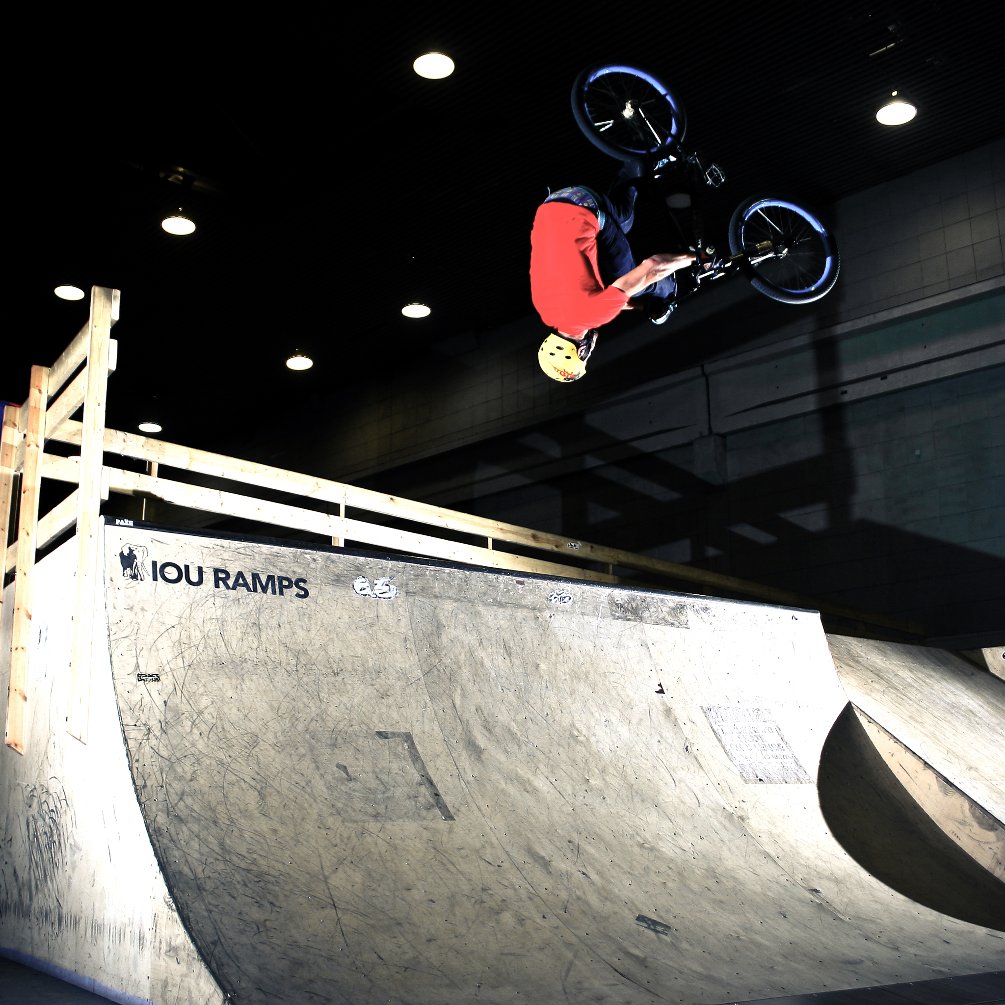 BMX-3Wallpapers-iPad-Retina