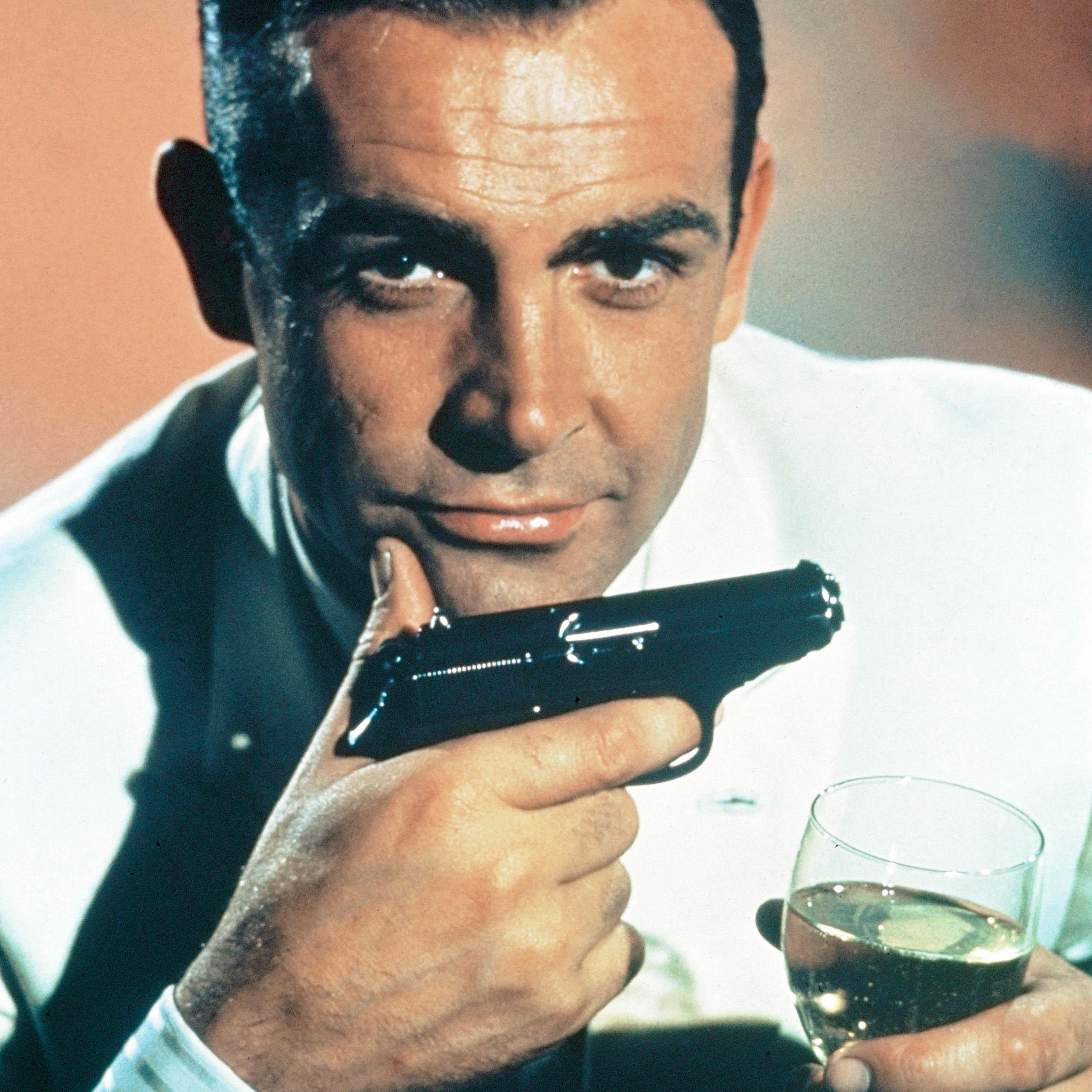 Sean-Connery-3Wallpapers-iPad-Retina