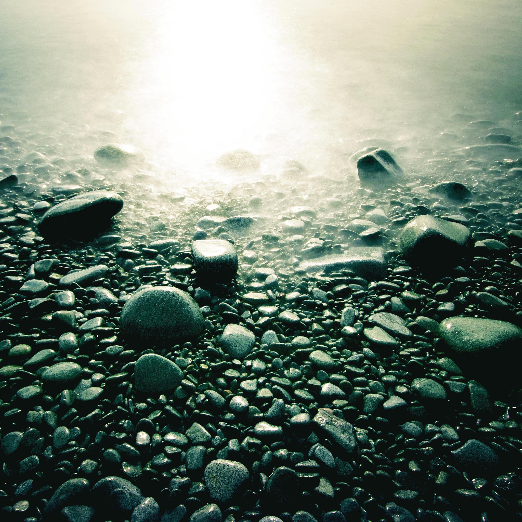 Stones-in-Beach-3Wallpapers-iPad-Retina