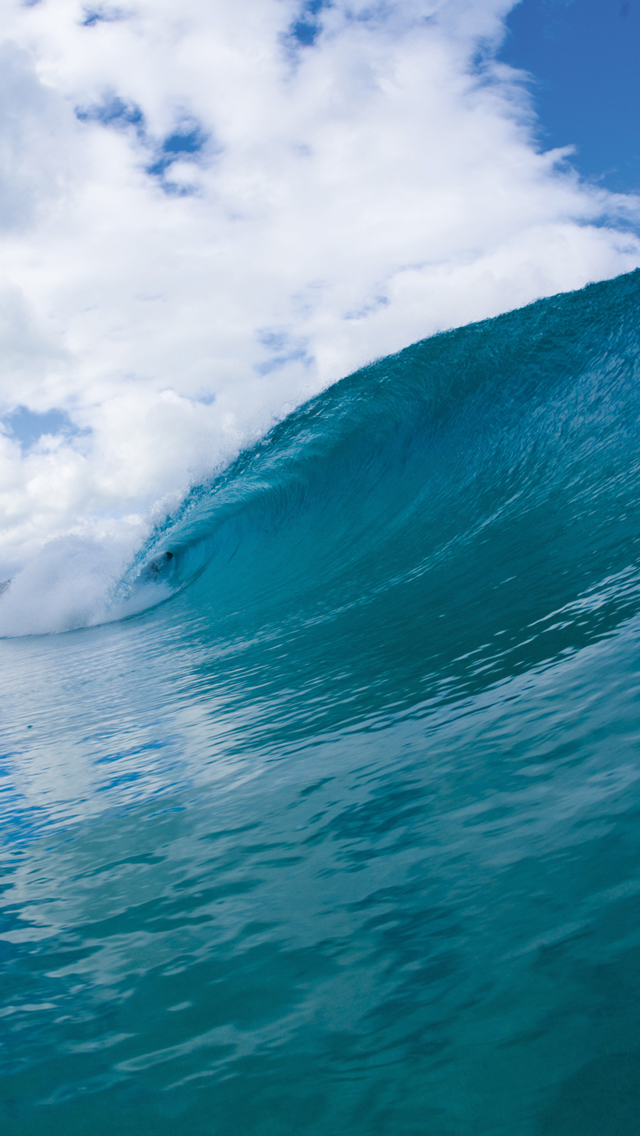 Surfer-in-Wave-3Wallpapers-iPhone-5