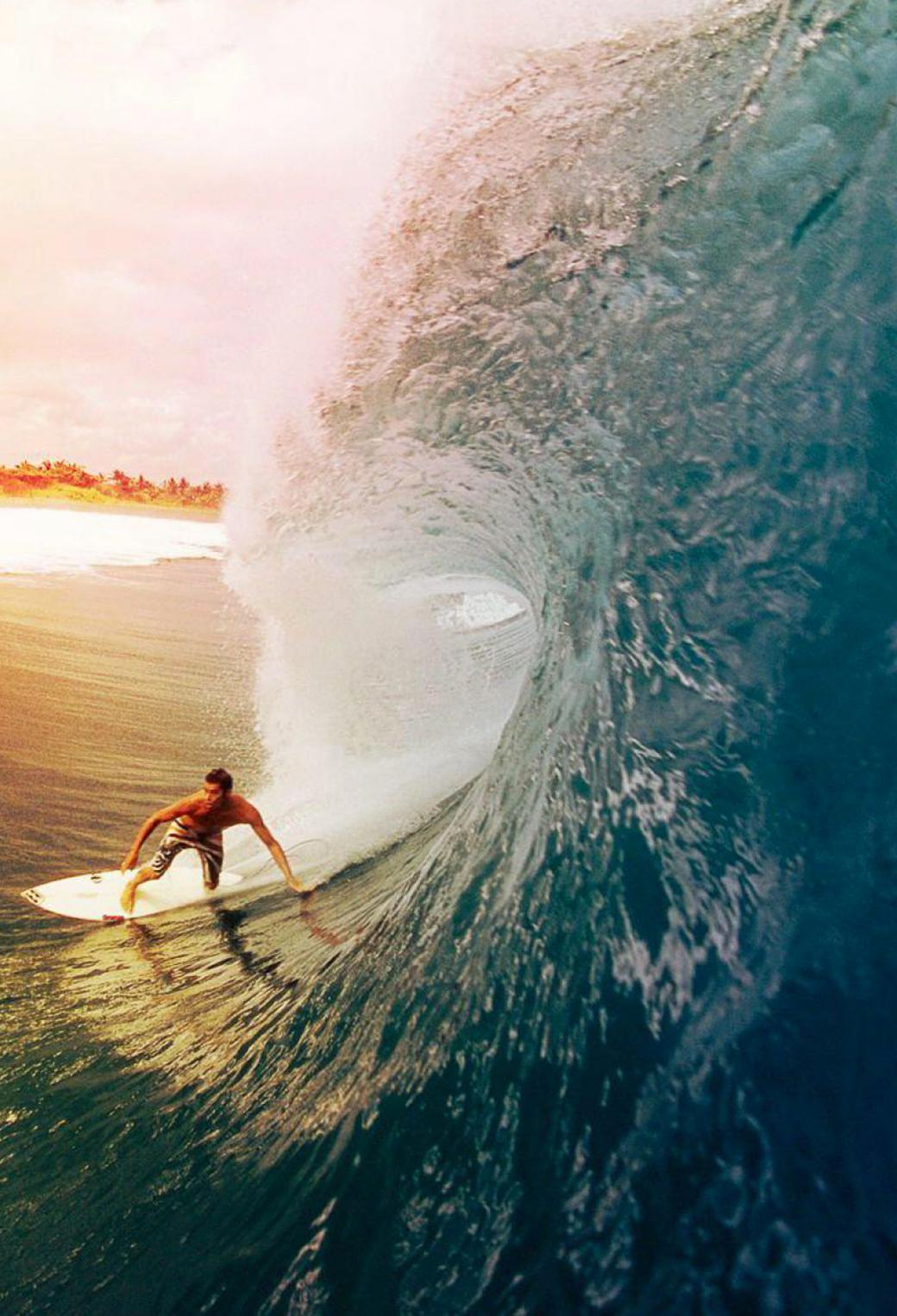 surfer wallpaper iphone 5