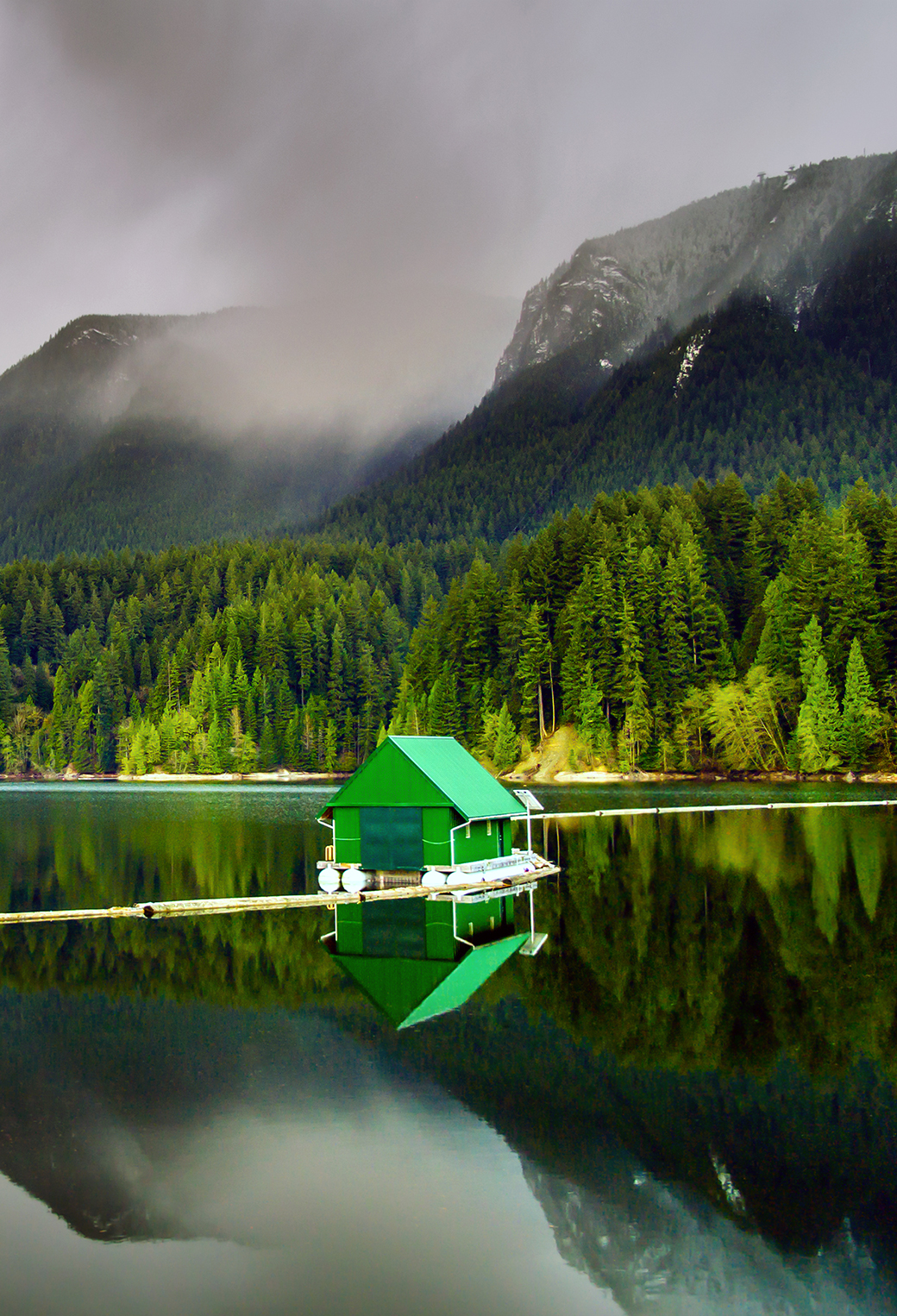 Floating Cabin 3Wallpaper siPhone Parallax Floating Cabin
