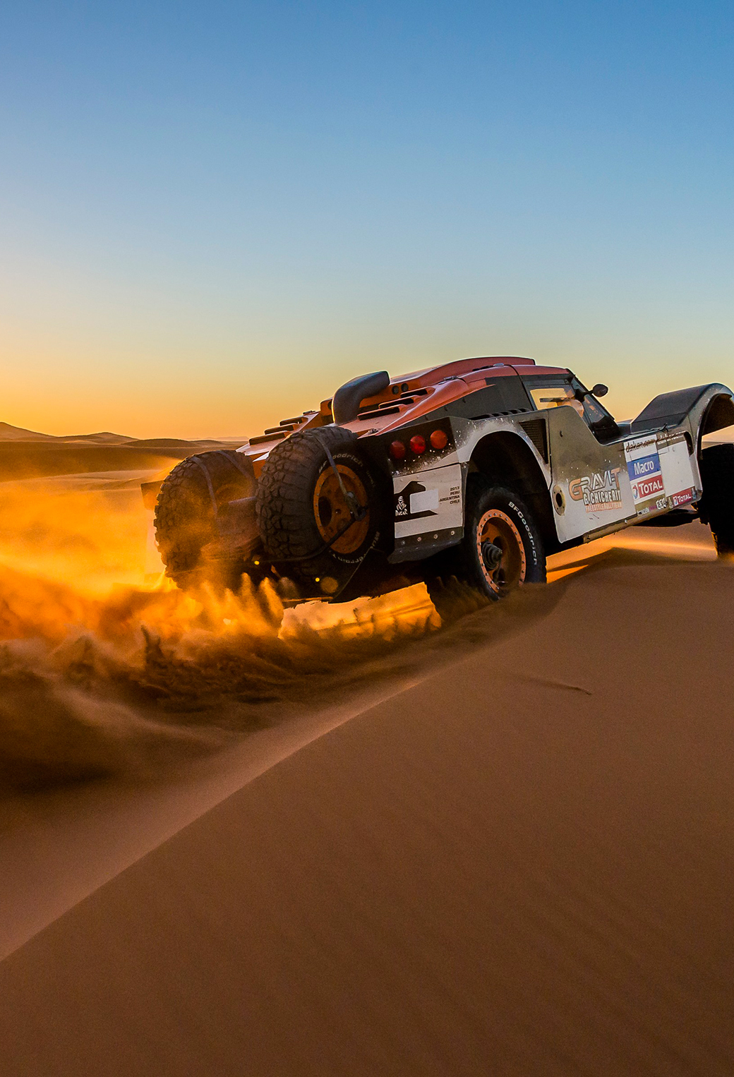 Sunset Over Buggy in Dakar Rally 3Wallpapers iphone parallax Sunset Over Buggy in Dakar Rally