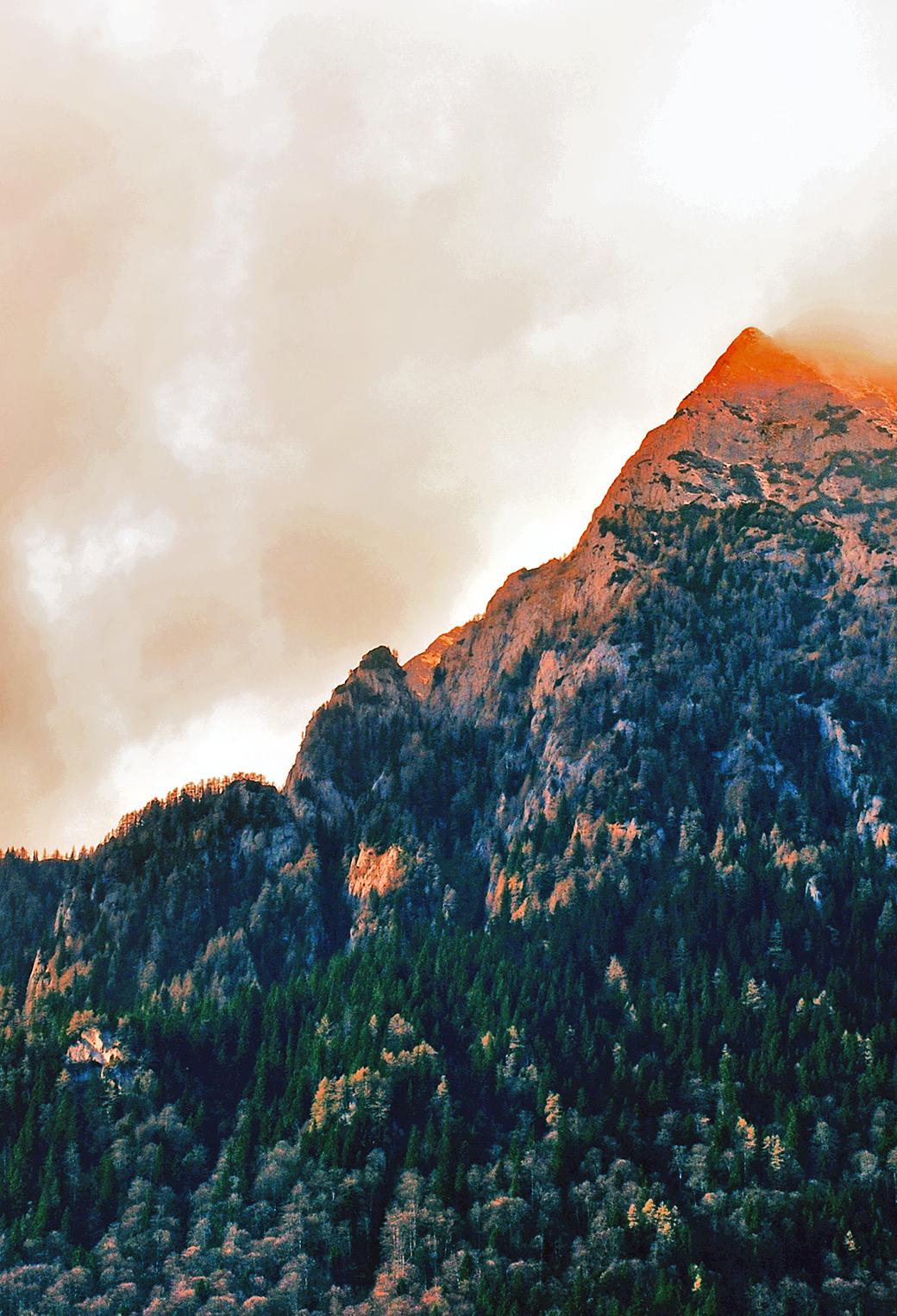 Orange Moutains 3Wallpapers iPhone Parallax Orange Mountains