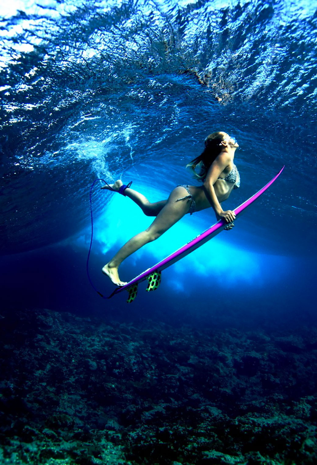 Girl With Surf Board 3Wallpapers iphone Parallax Girl With Surf Board