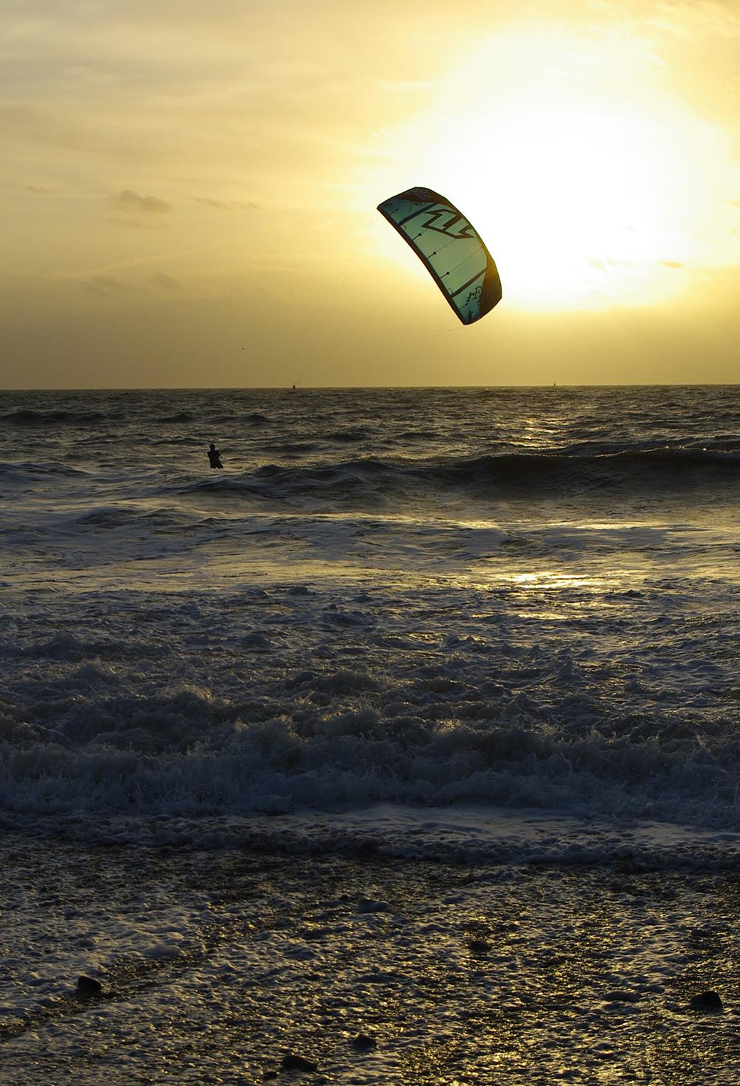 Kite Surf surfare trascinati da un aquilone un sport nato