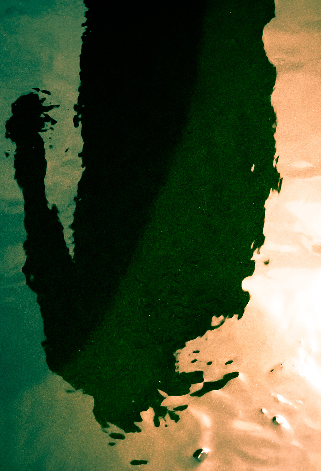 Water Shadow 3Wallpapers iPhone Parallax Water Shadow