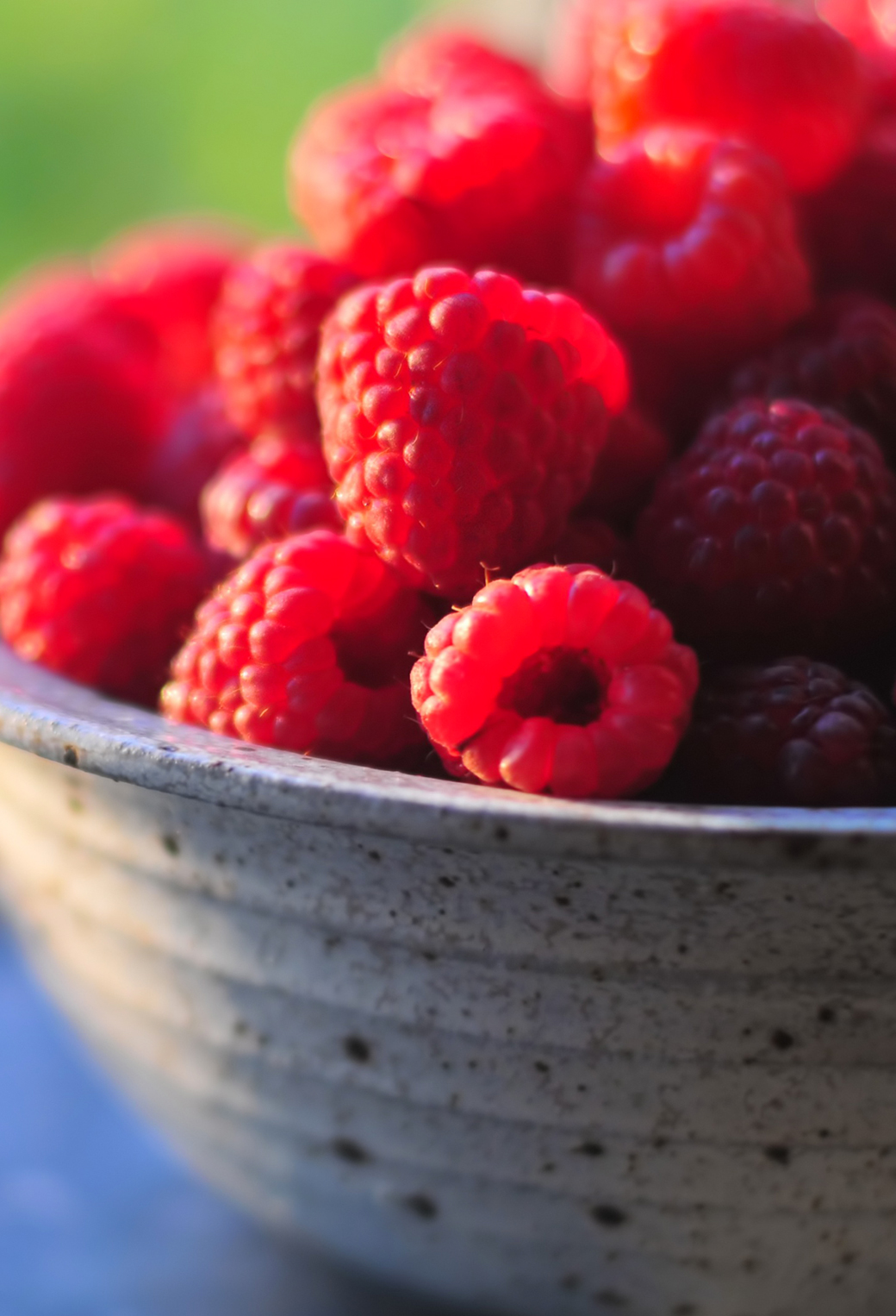 Fresh Raspberries 3Wallpapers iphone Parallax Fresh Raspberries