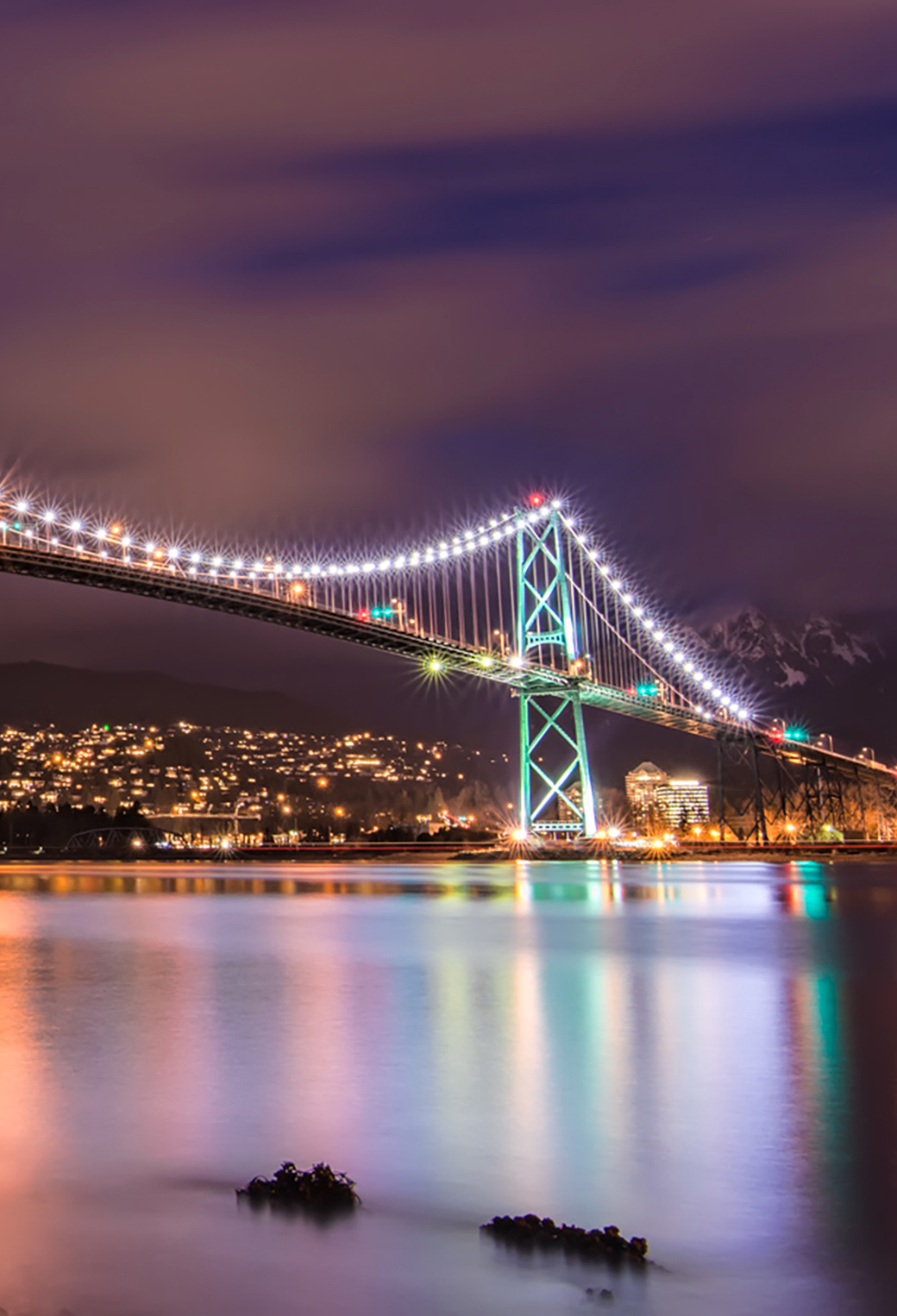 Lions Gate Bridge at Night 3Wallpapers iPhone Parallax Lions Gate Bridge at Night