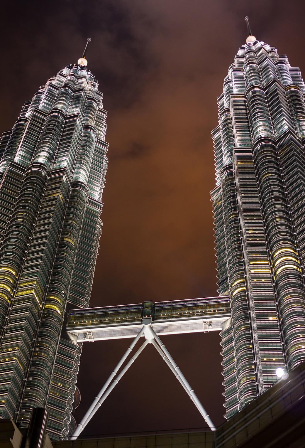 Petronas towers 3Wallpapers Iphone Parallax Pulau Tioman