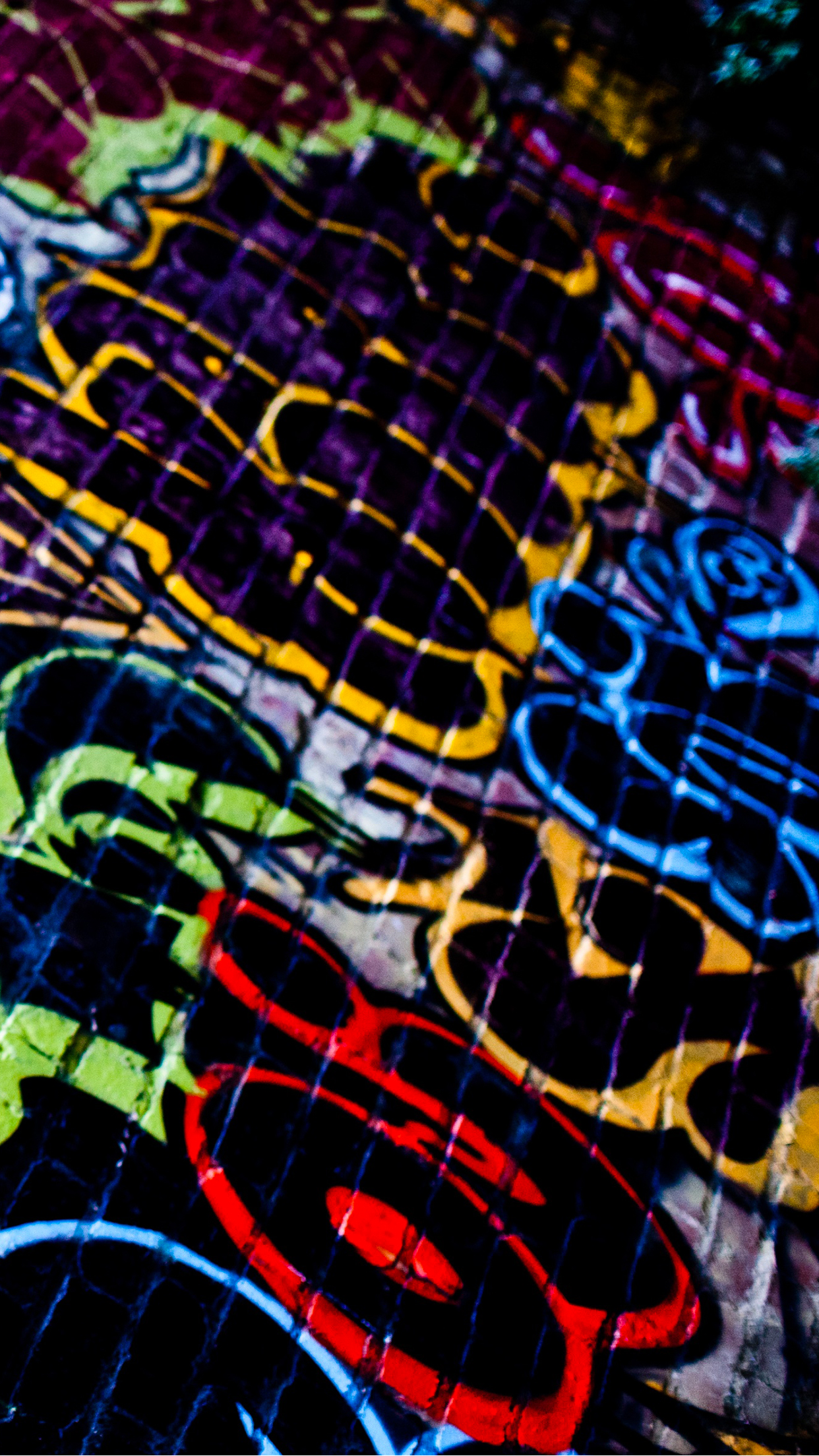 Graffiti Wall iPhone 3Wallpapers Parallax Graffiti Wall
