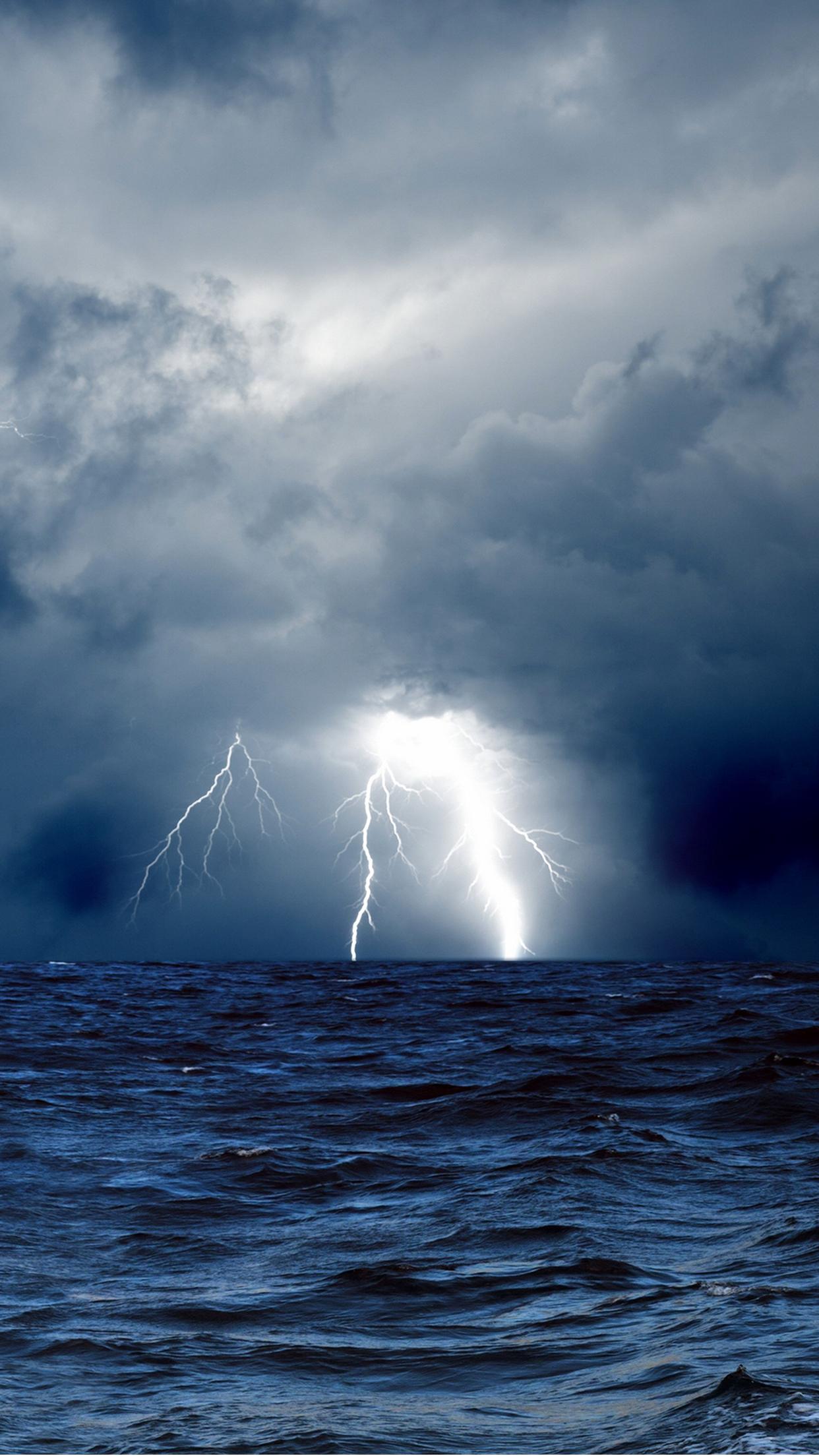 Storm Cloud Sea iPhone 3Wallpapers Parallax Storm Cloud Sea