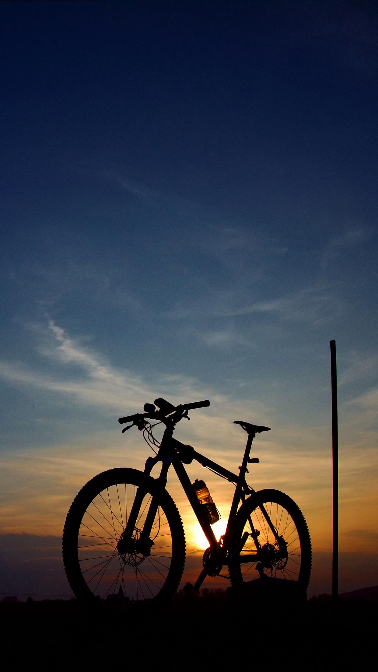 Mountain Bike Wallpaper for iPhone X, 8, 7, 6