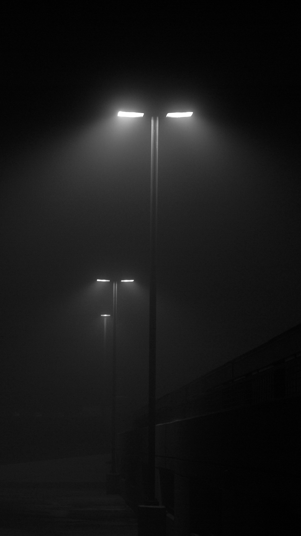 Fog night street lights iPhone 3Wallpapers Parallax Fog night street lights