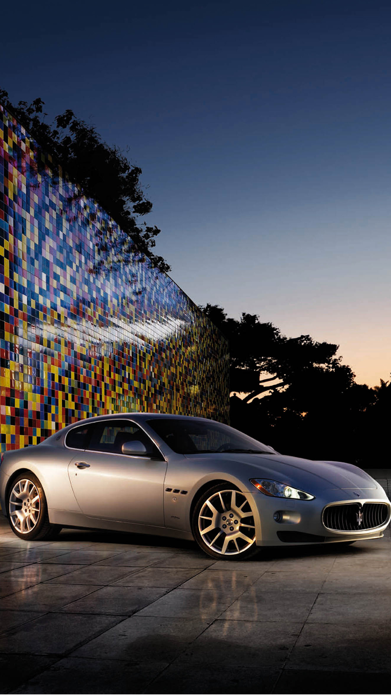 Mazerati Night iPhone 3Wallpapers Parallax Maserati Night