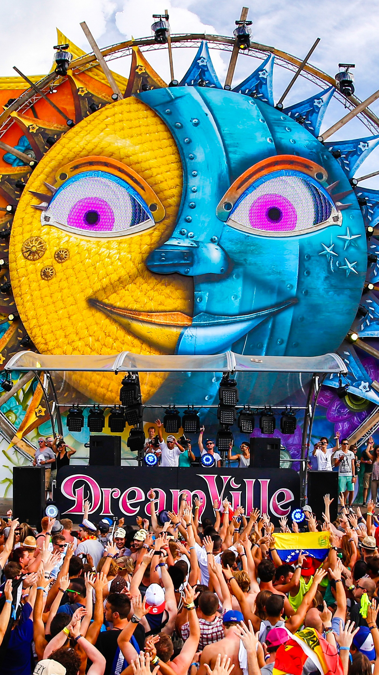 Tomorrowland Dreamland iPhone 3Wallpapers Parallax Les 3 Wallpapers iPhone du jour (29/05/2015)