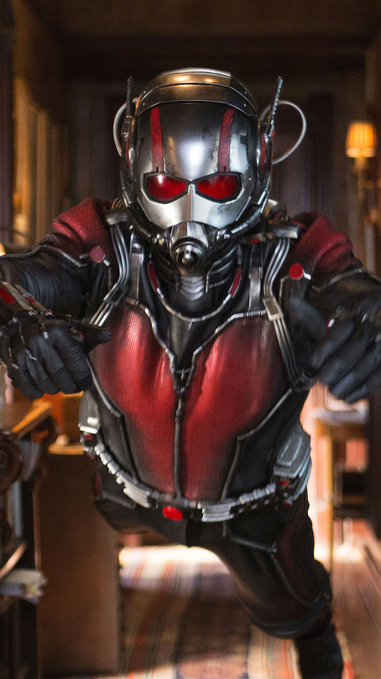 Ant Man Action iPhone 3Wallpapers Parallax Les 3 Wallpapers iPhone du jour (18/07/2015)