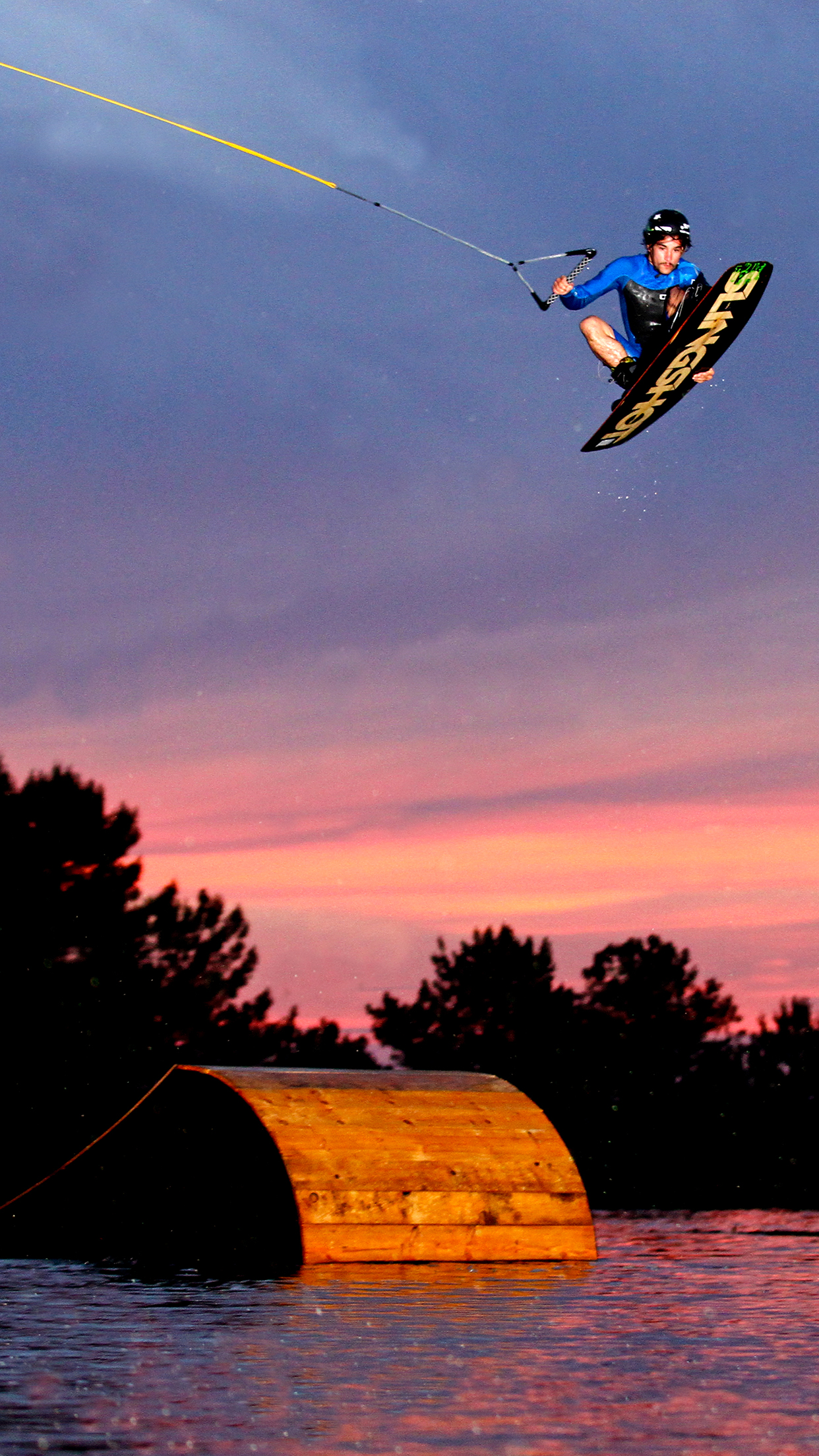 Wakeboard Mat Montoro 3Wallpapers iPhone Parallax Les 3 Wallpapers iPhone du jour (16/07/2015)