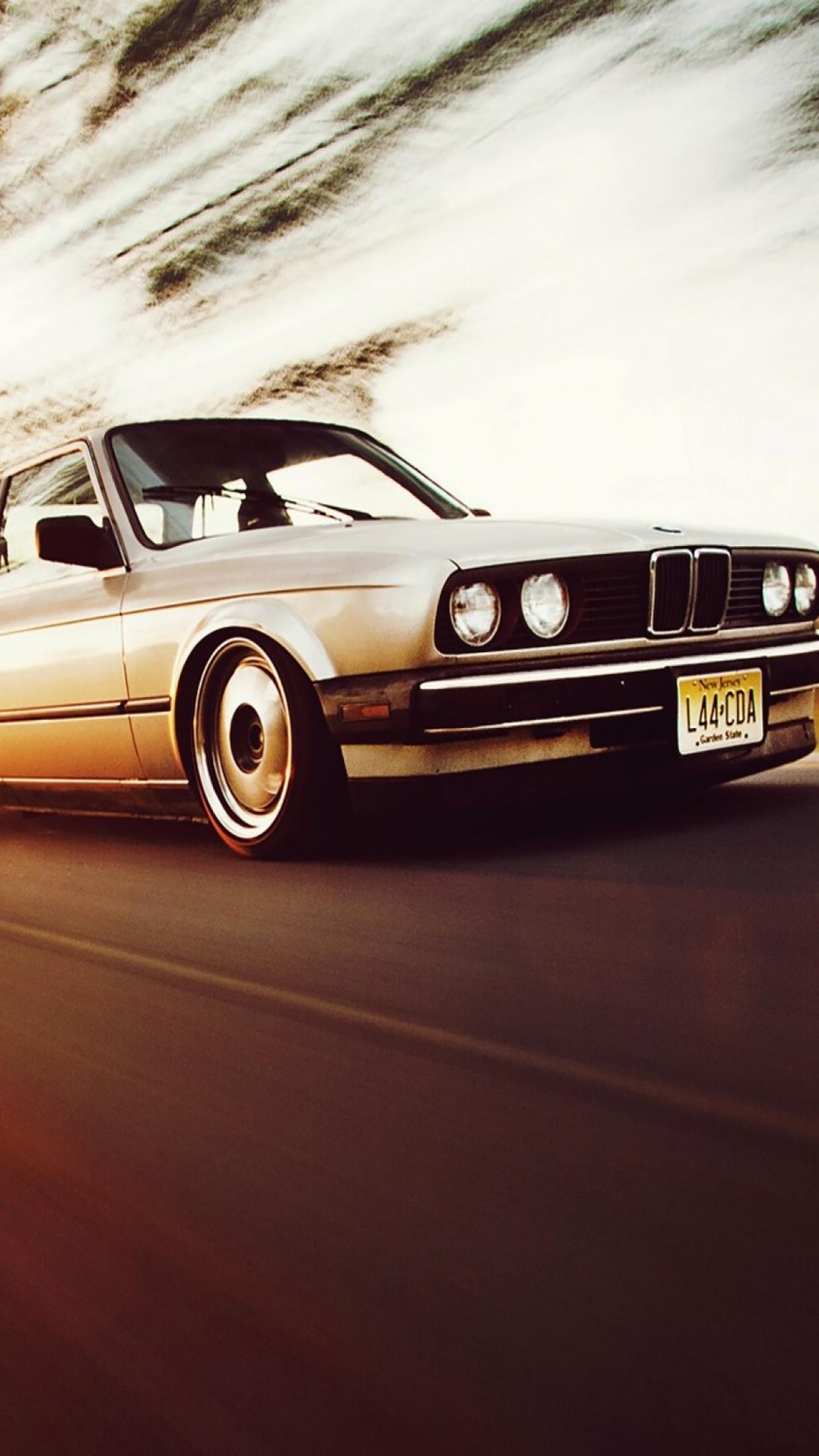 Vintage Cars BMW 3 Series 3Wallpapers iPhone Parallax Vintage Cars BMW 3 Series