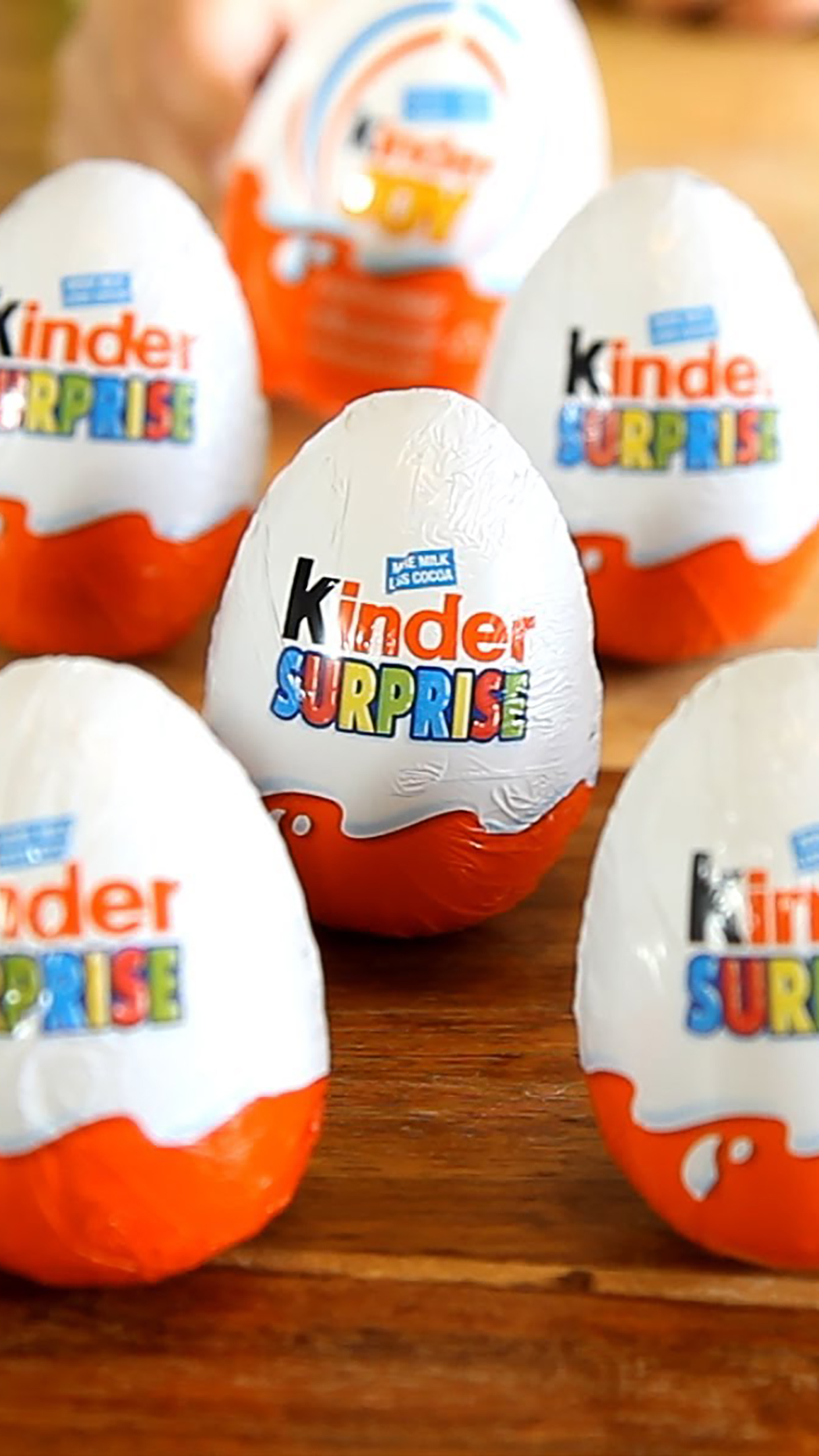 Kinder surprise 3Wallpapers iPhone Parallax Kinder surprise